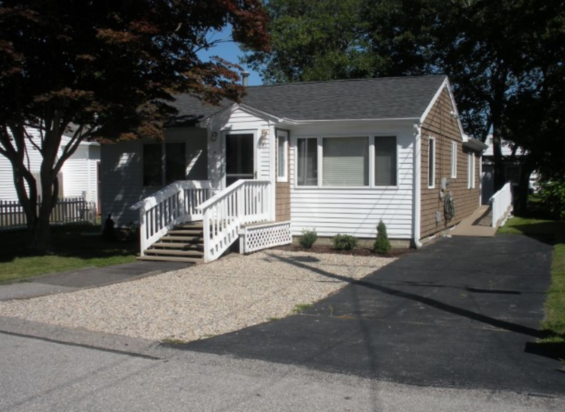 17 ERIE ROAD/POINT JUDITH
