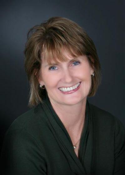 Mary Lyons, Broker Associate, REALTOR®, CRS, GRI, CLHMS