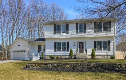 Comfortable Clinton Home!