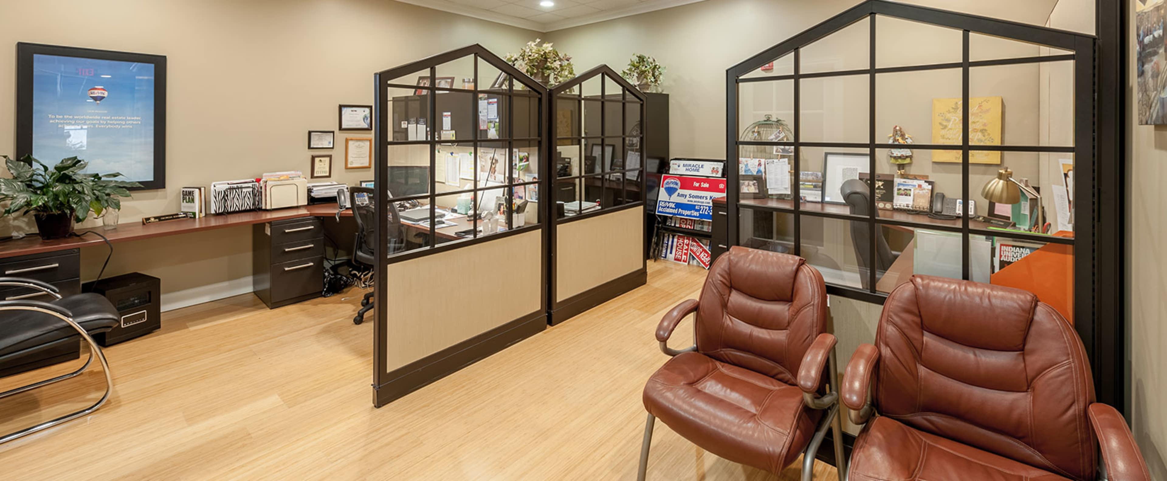 Re Max Acclaimed Properties 3695 S Sare Road Bloomington In 47401