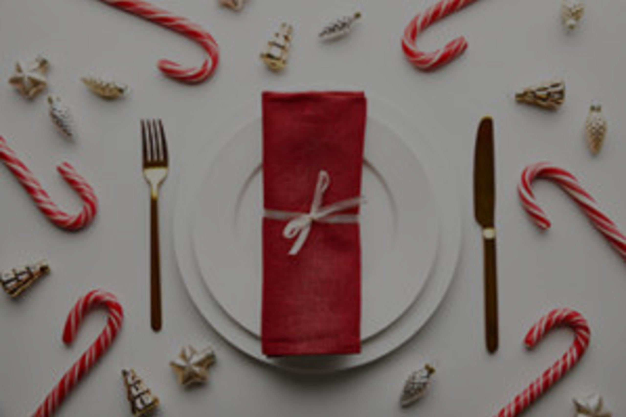 FYI: Festive Tables for Any Winter Holiday Event