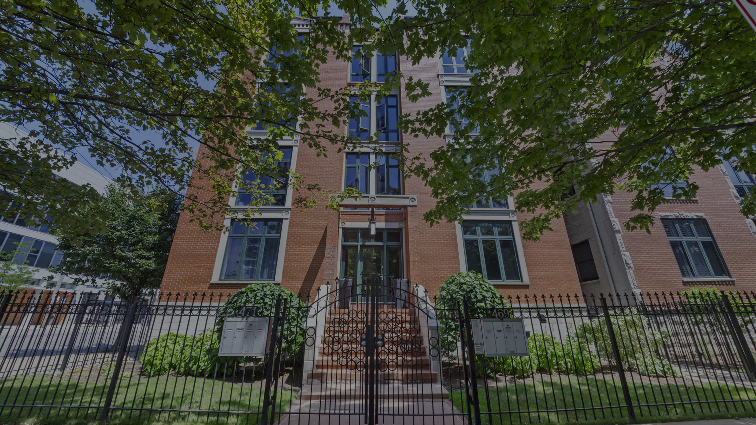 469 N Green #1S Chicago 60642