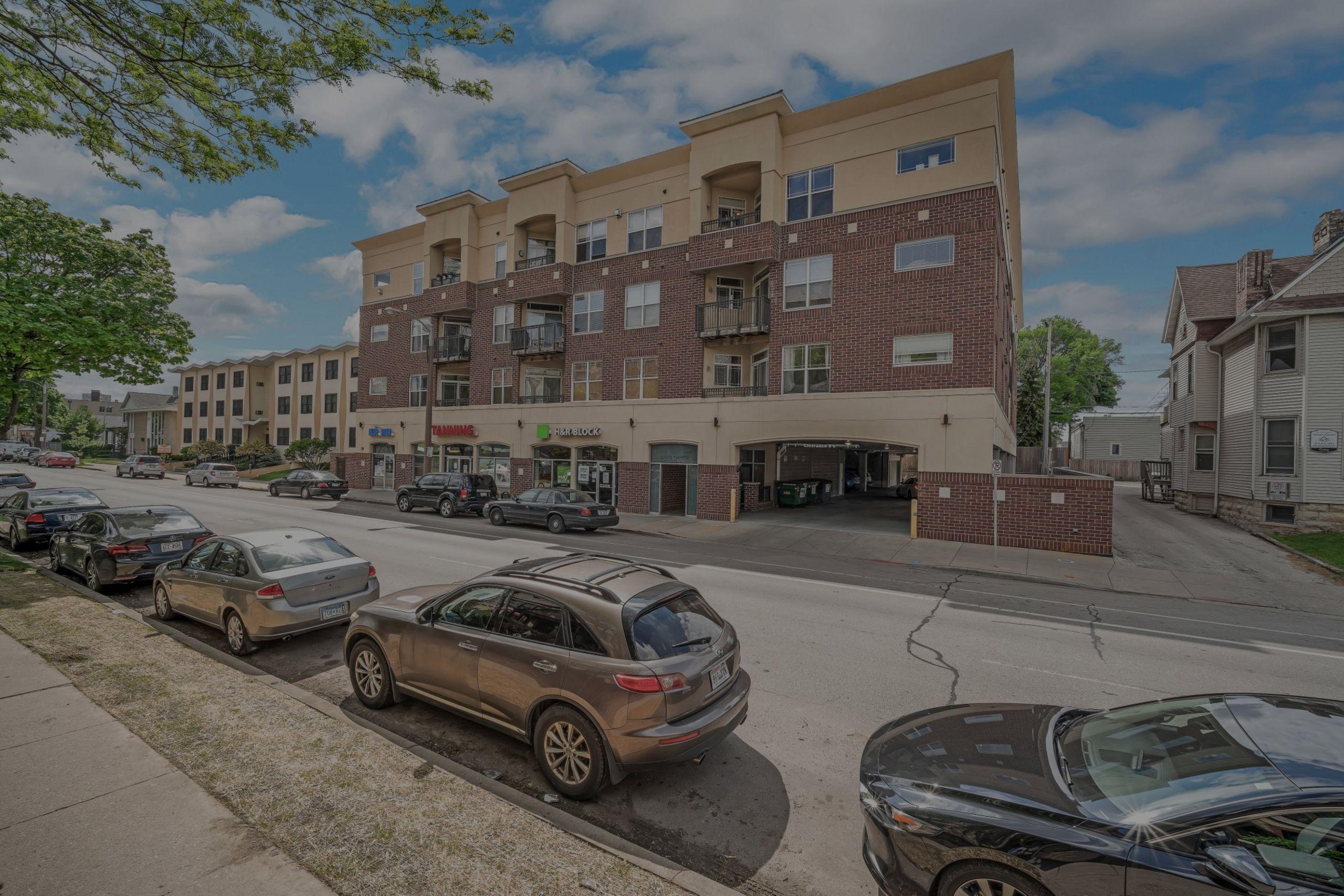 COMING SOON – 1619 N Farwell Ave #207, Milwaukee 53202