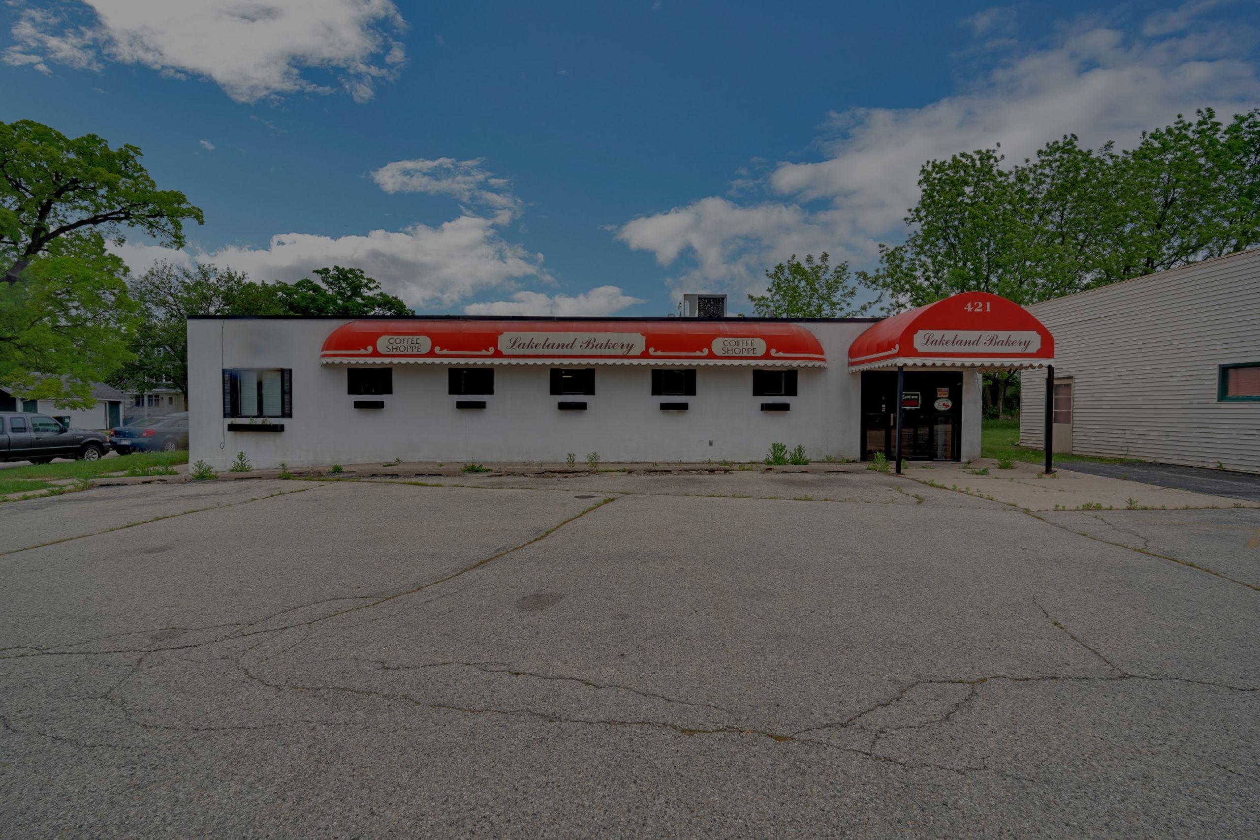 NEW LISTING – 421 N Wisconsin St Elkhorn, Wisconsin 53121