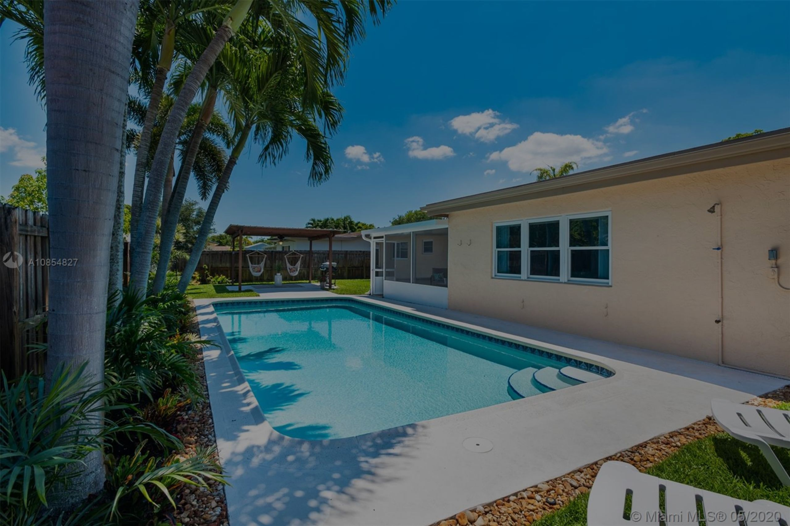 Gorgeous Pool Home in Cooper City!