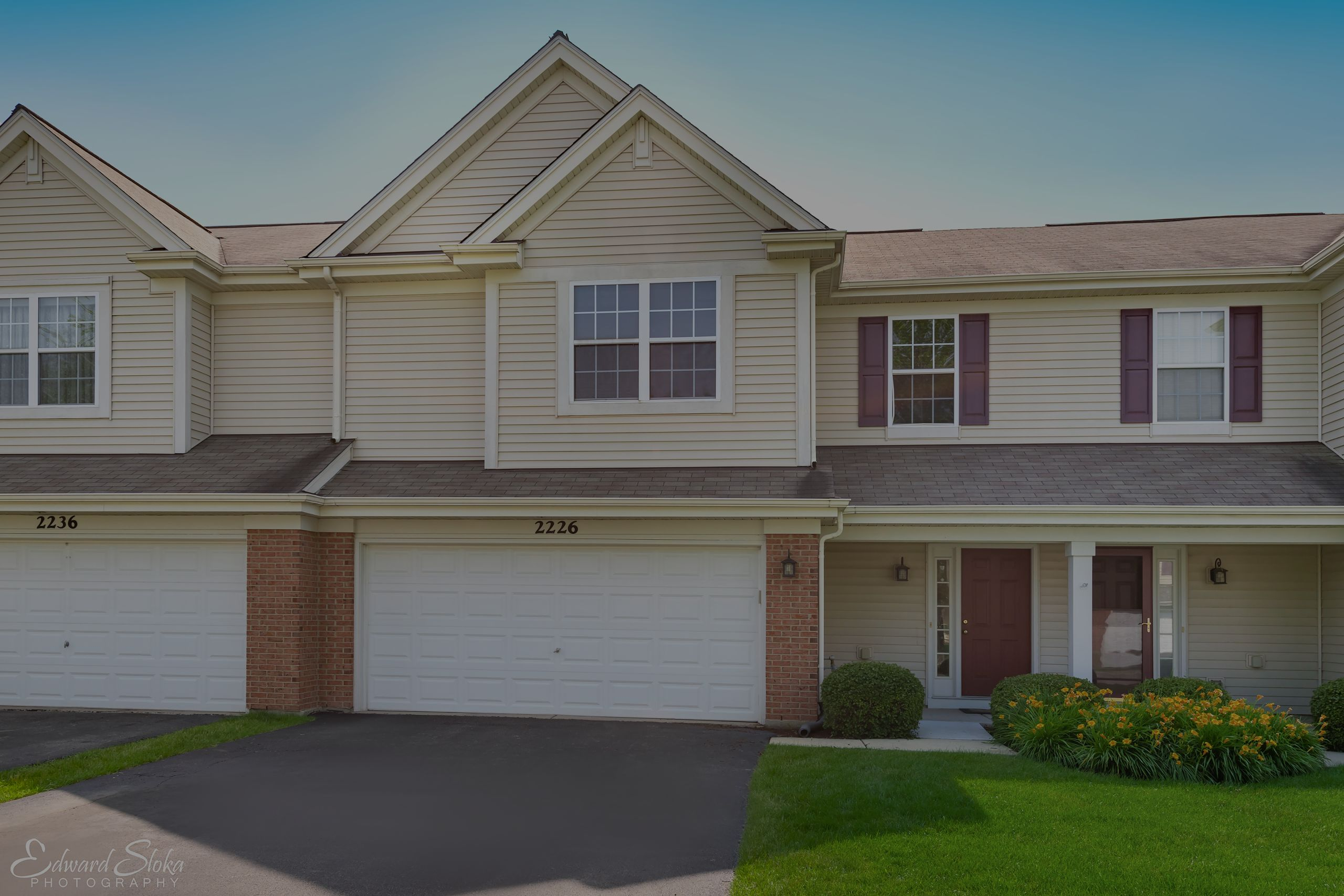 2226 Pembridge, Lake in the Hills $192,500 2 Bed 2 Bath Townhouse with Huntley Schools!