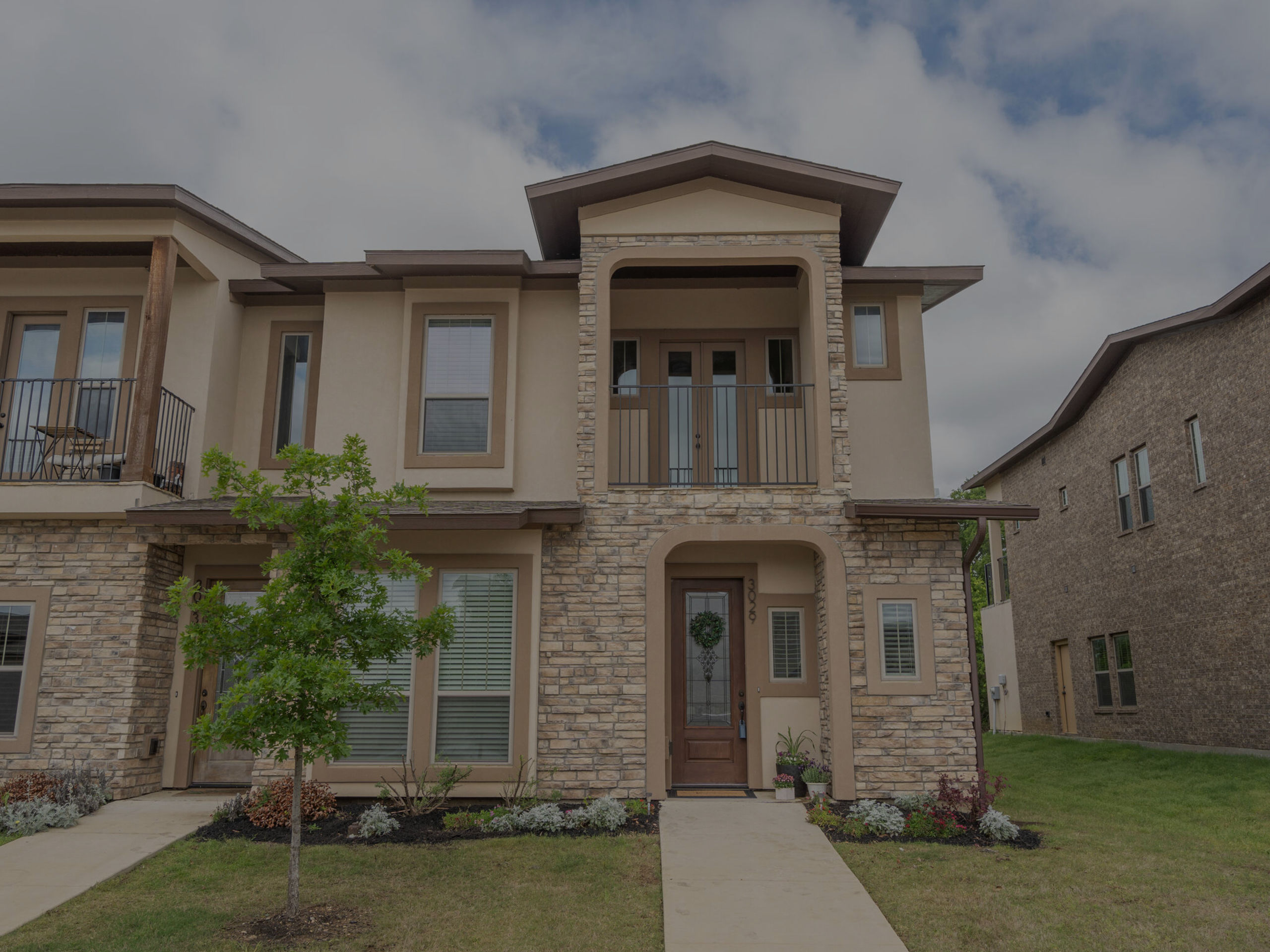 This 3 bed, 2 ½ bath newly built corner unit townhouse is absolutely perfect and conveniently located to area amenities!