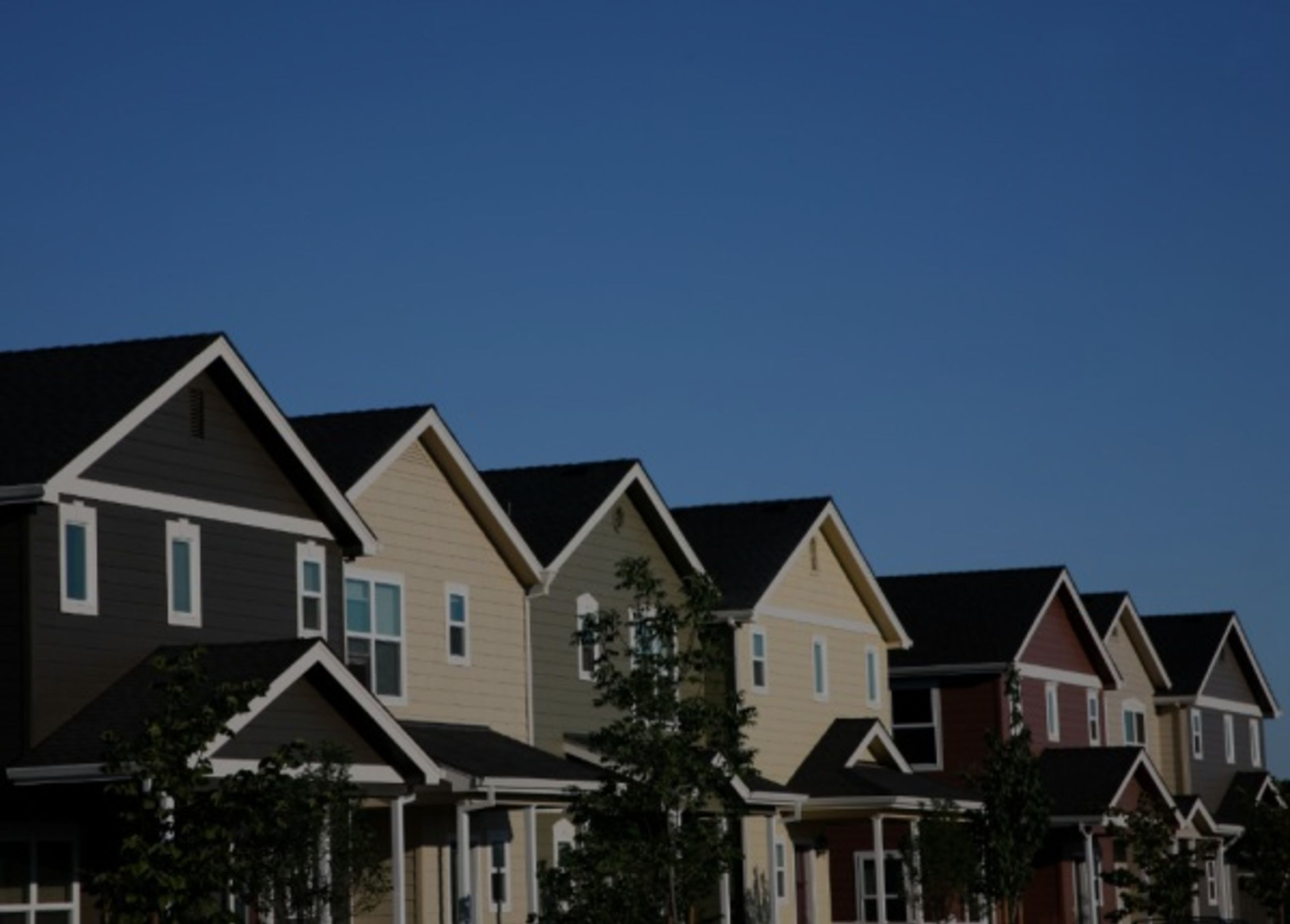 SHORT SALE AND FORECLOSURE: HOW ARE THEY DIFFERENT?