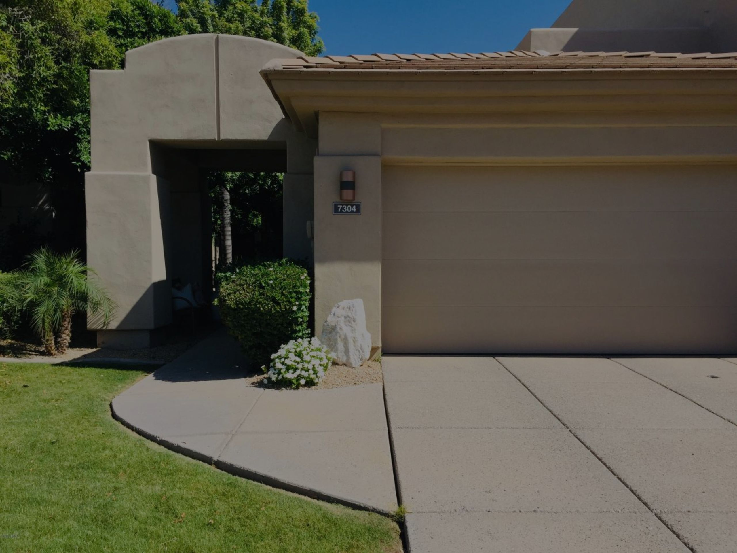 SOLD! Sought After Single Level in Gainey Village Casitas