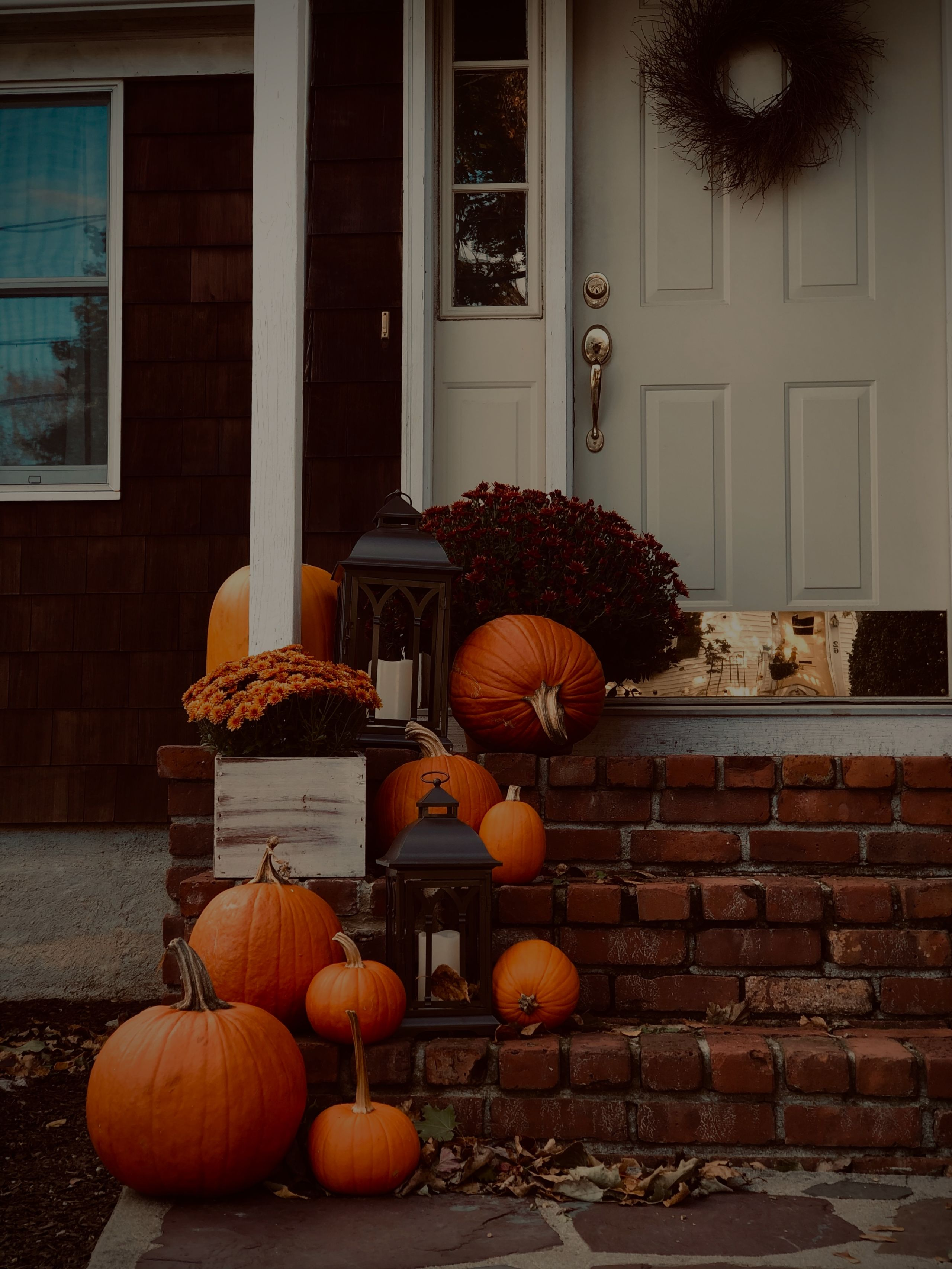14 Fall Housekeeping Tips & Fall Homes Selling Quickly