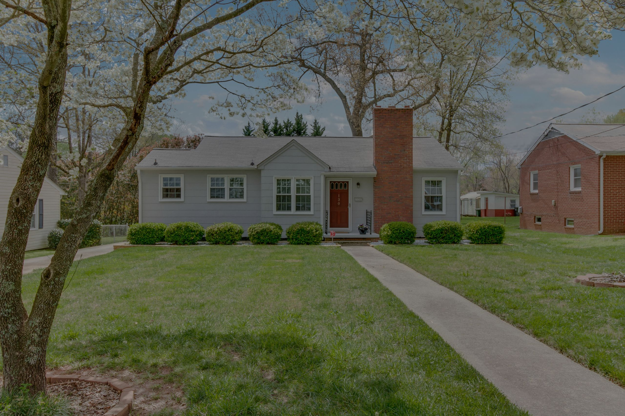 JUST LISTED 130  E Harson Street