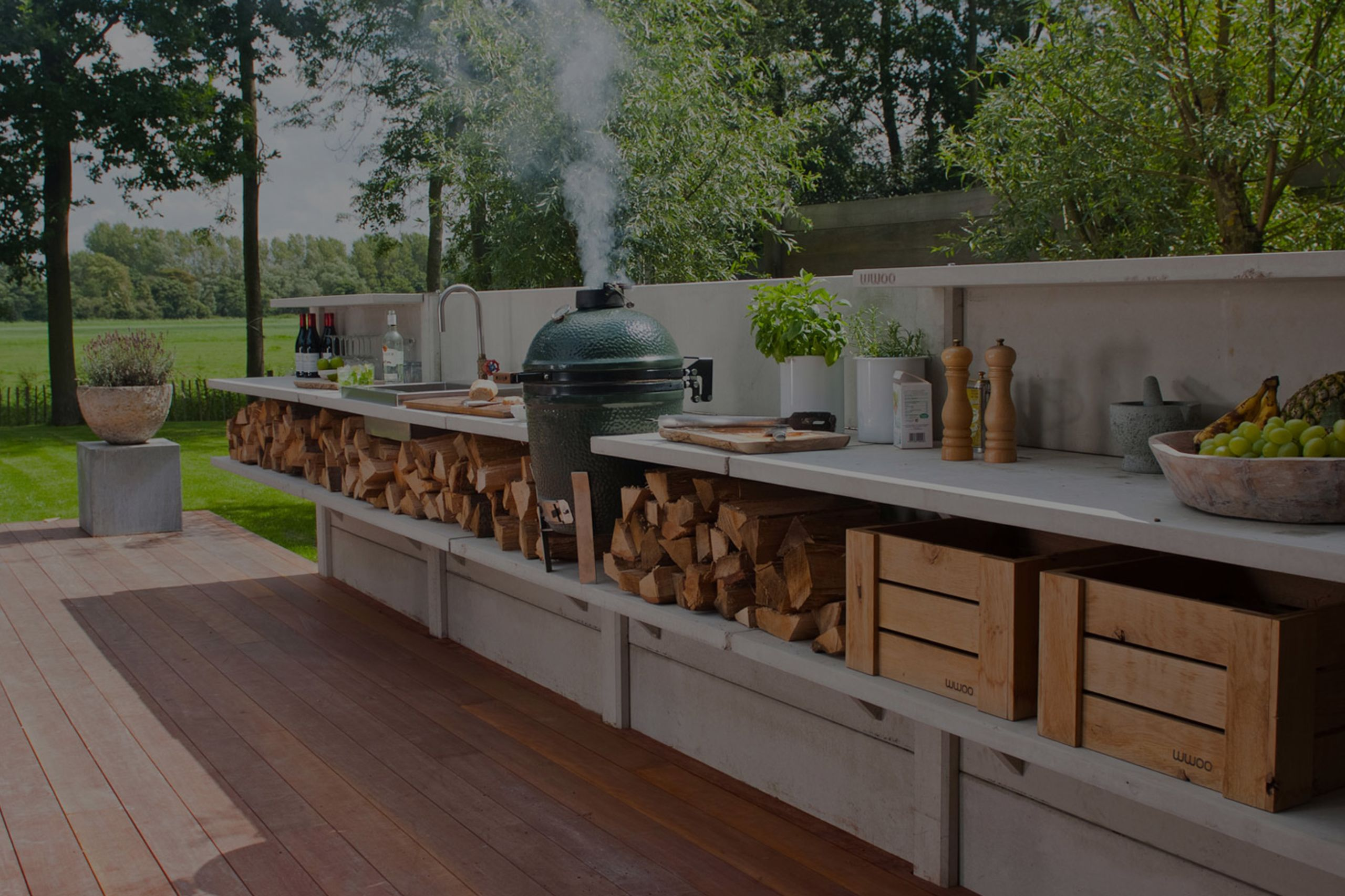 "What's ""IN"" in Outdoor Kitchens?"