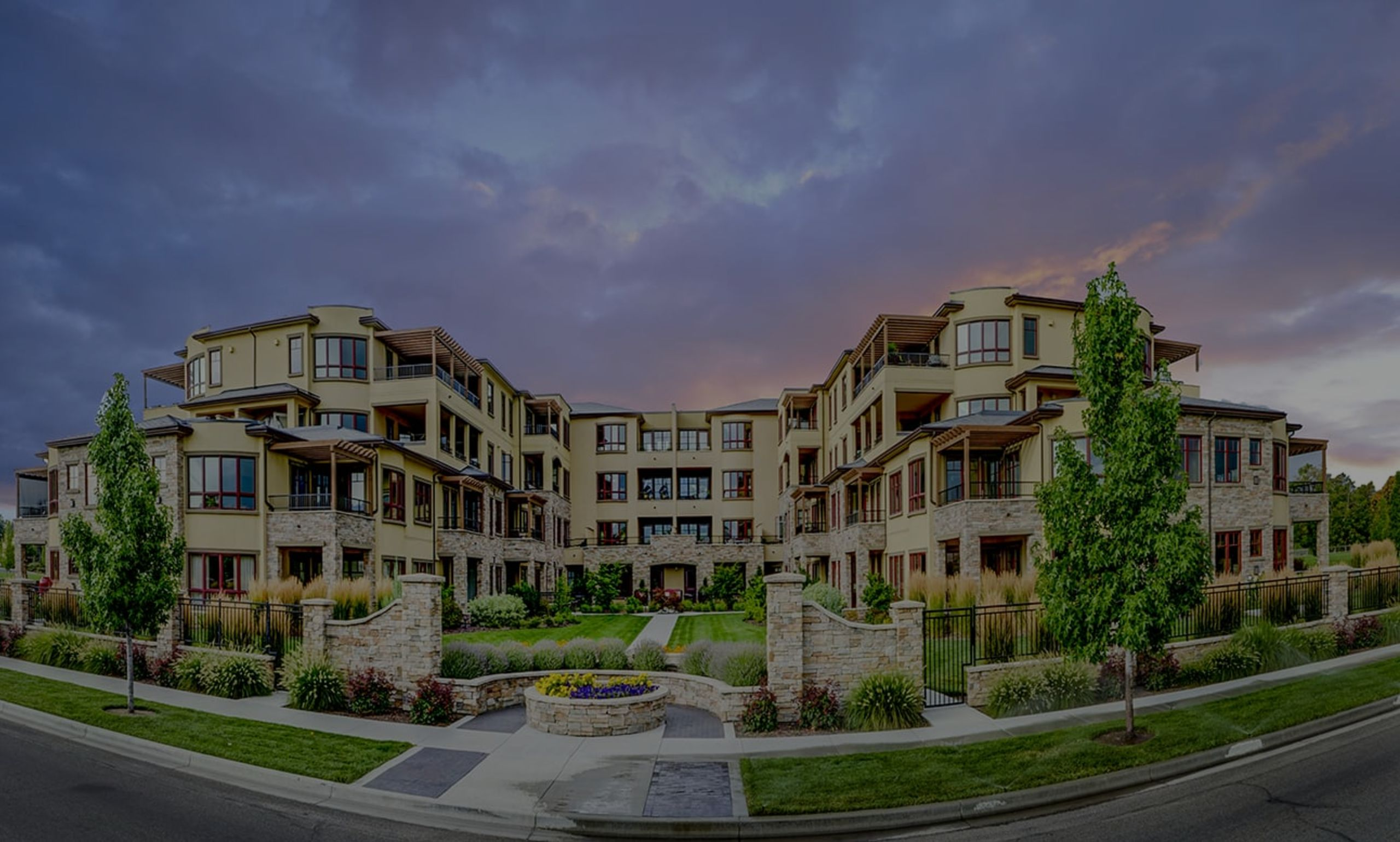 Experience the Crescent Rim Lifestyle