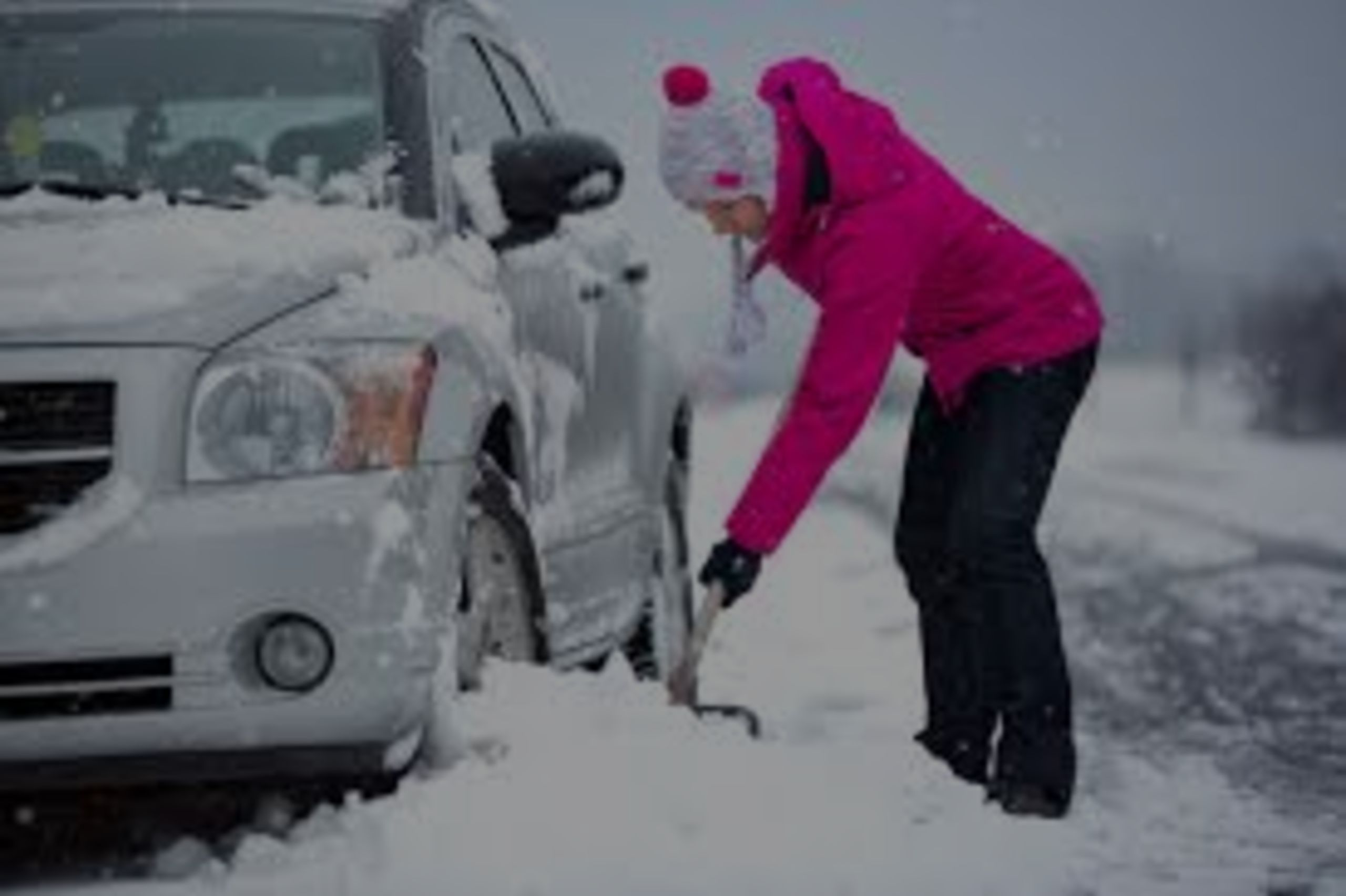 Things real estate agents need in their car for the snowy season