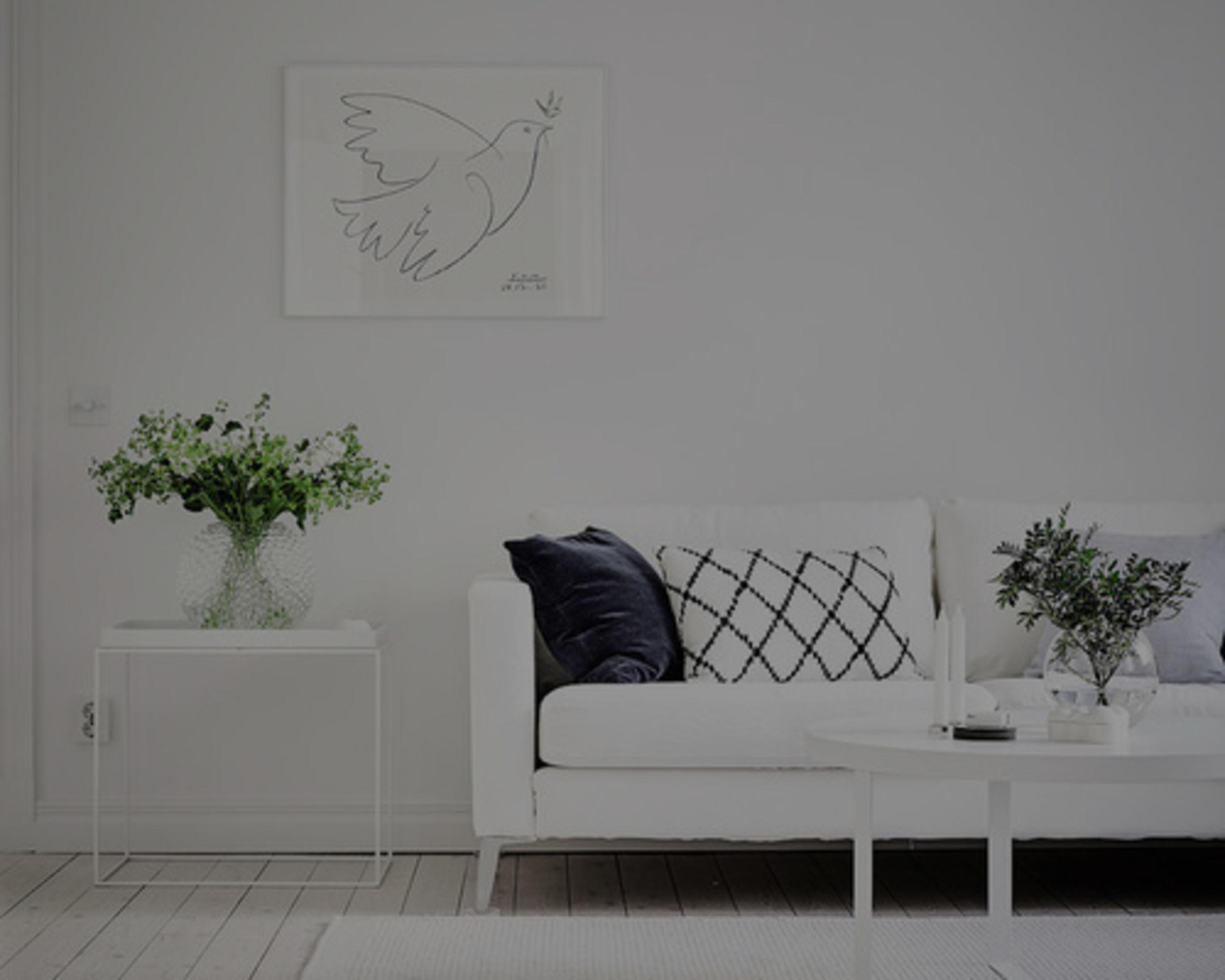 8 Home Decor Tricks to Brighten a Dark Room