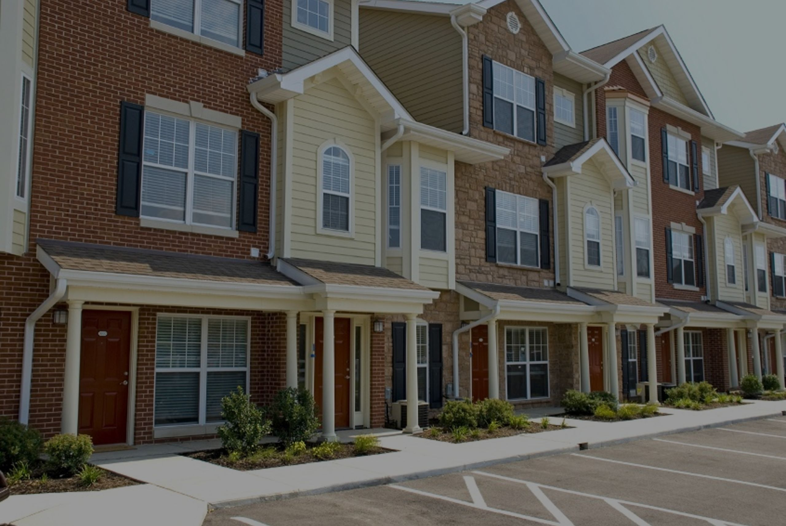 Condo vs. Townhouse – What's the Difference?
