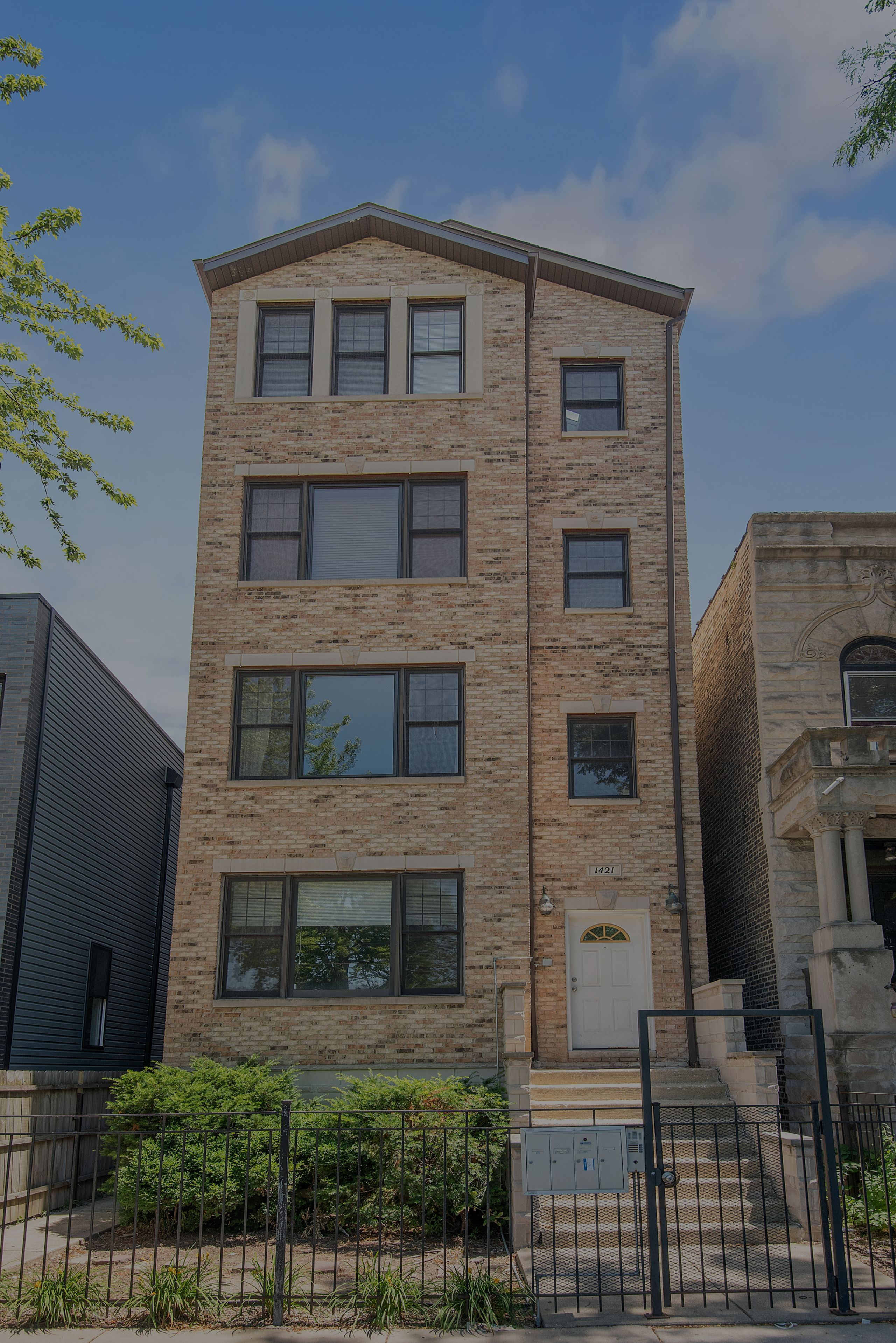 Just Sold: 3010 N Sheffield Ave Unit 3S, Chicago, IL 60657