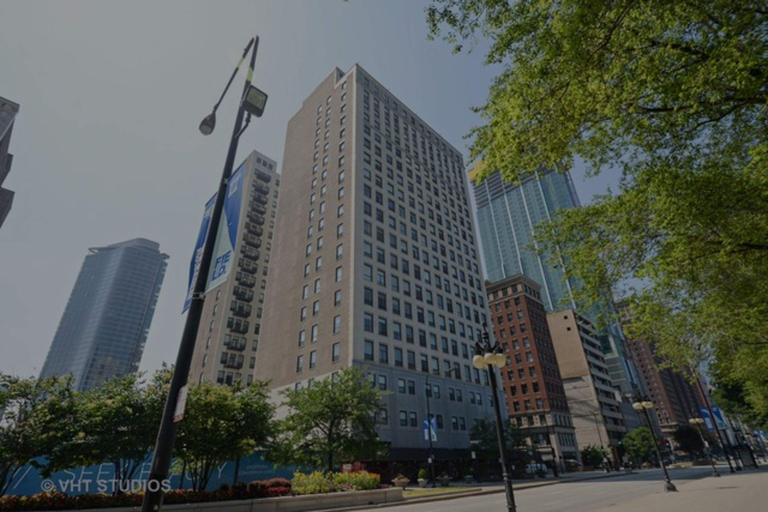 JUST SOLD: 910 S MICHIGAN UNIT 611, CHICAGO, IL 60610