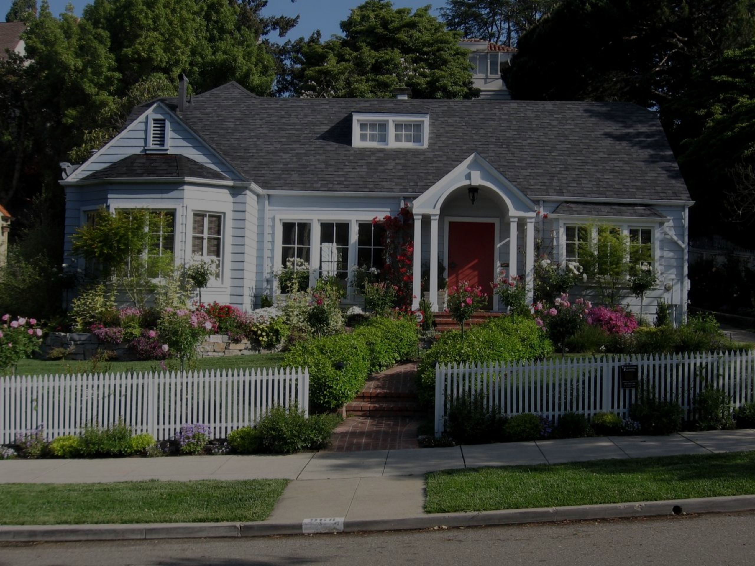 10 Tips To Increase Your Home's Curb Appeal!