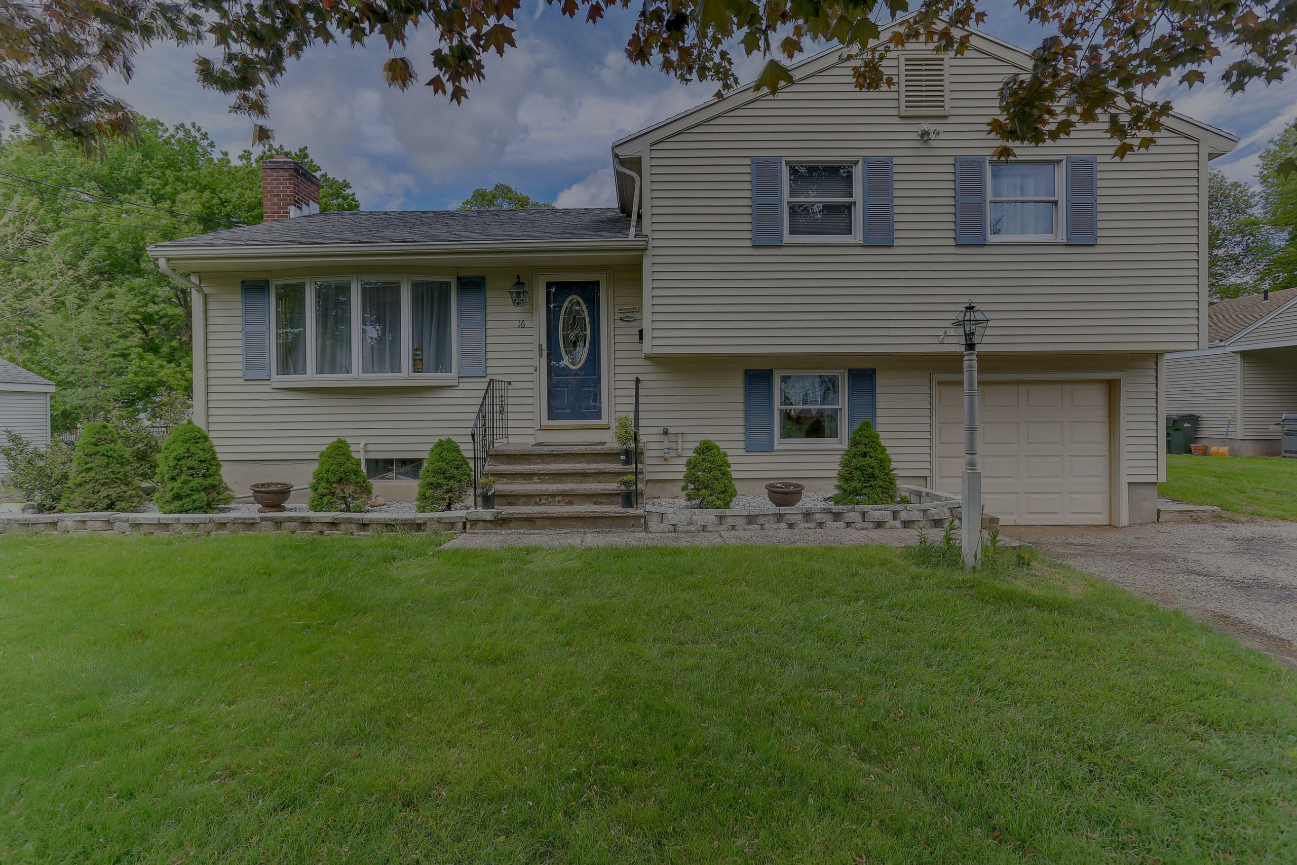 New Listing in Wethersfield!