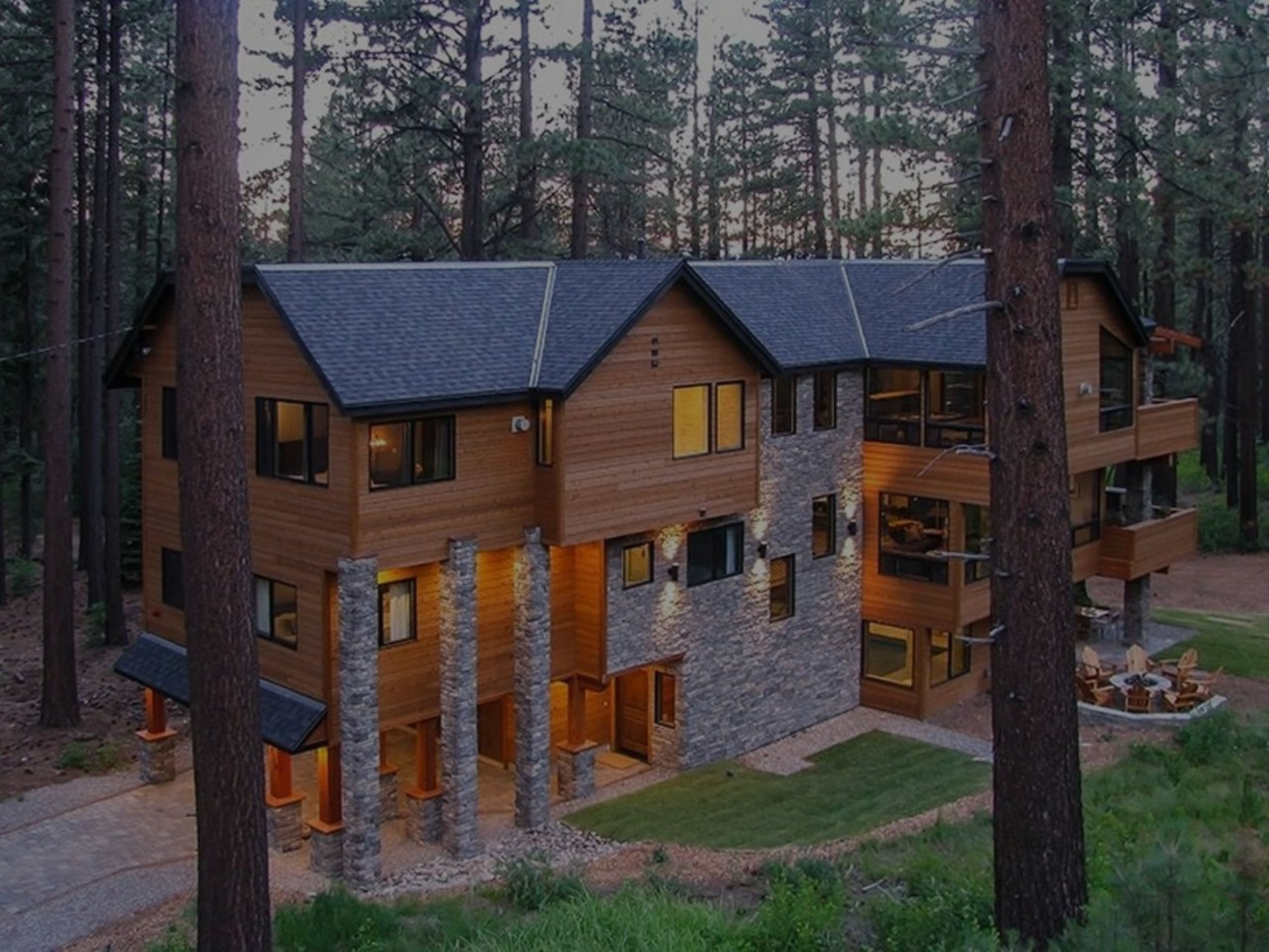 See Inside One Of The Most Expensive Airbnb's in America That Costs $2,500 Per Night