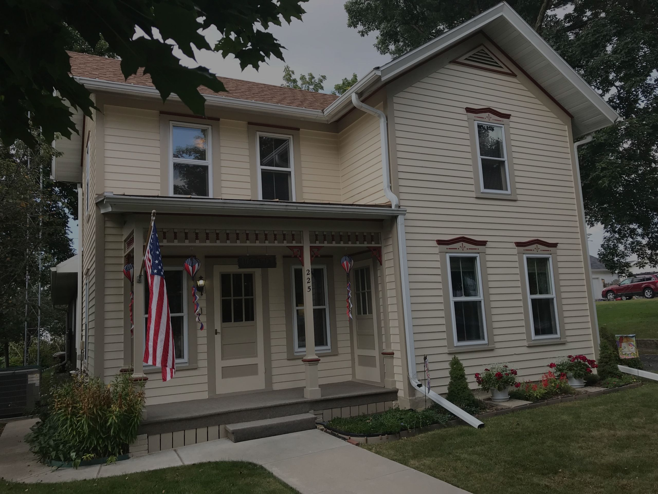 Discover 225 S. Madison St. | Cambria WI