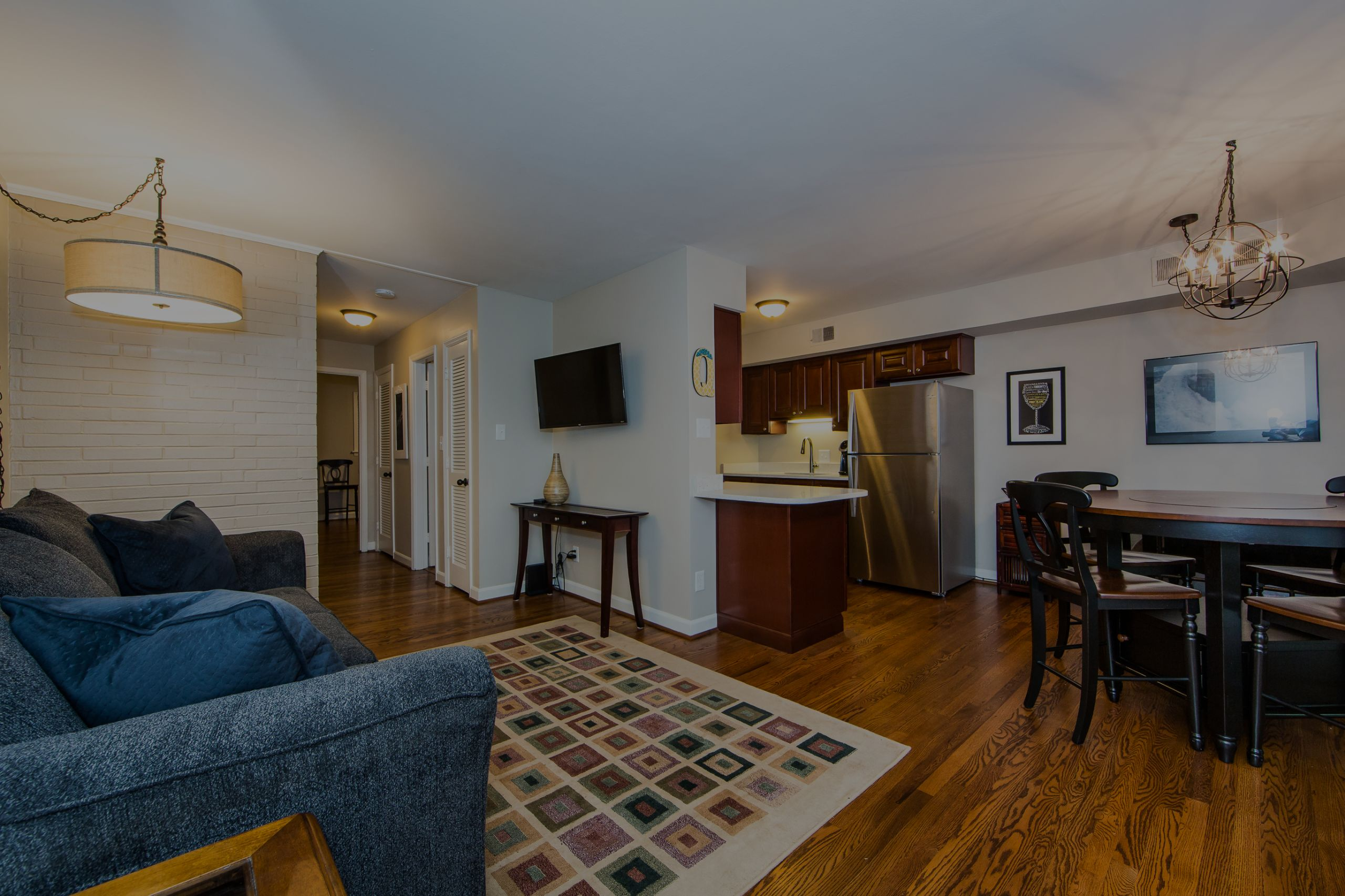 Furnished Rentals in Myers Park 400 Queens