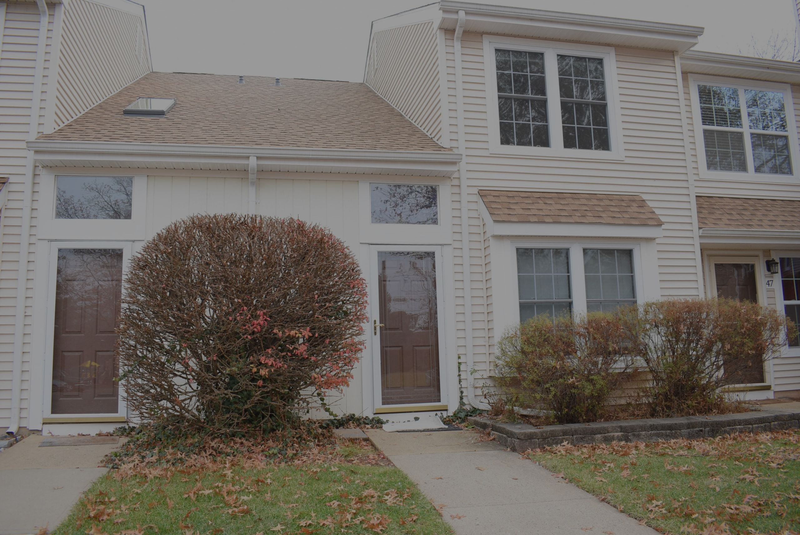 Just Listed in Quailbrook!