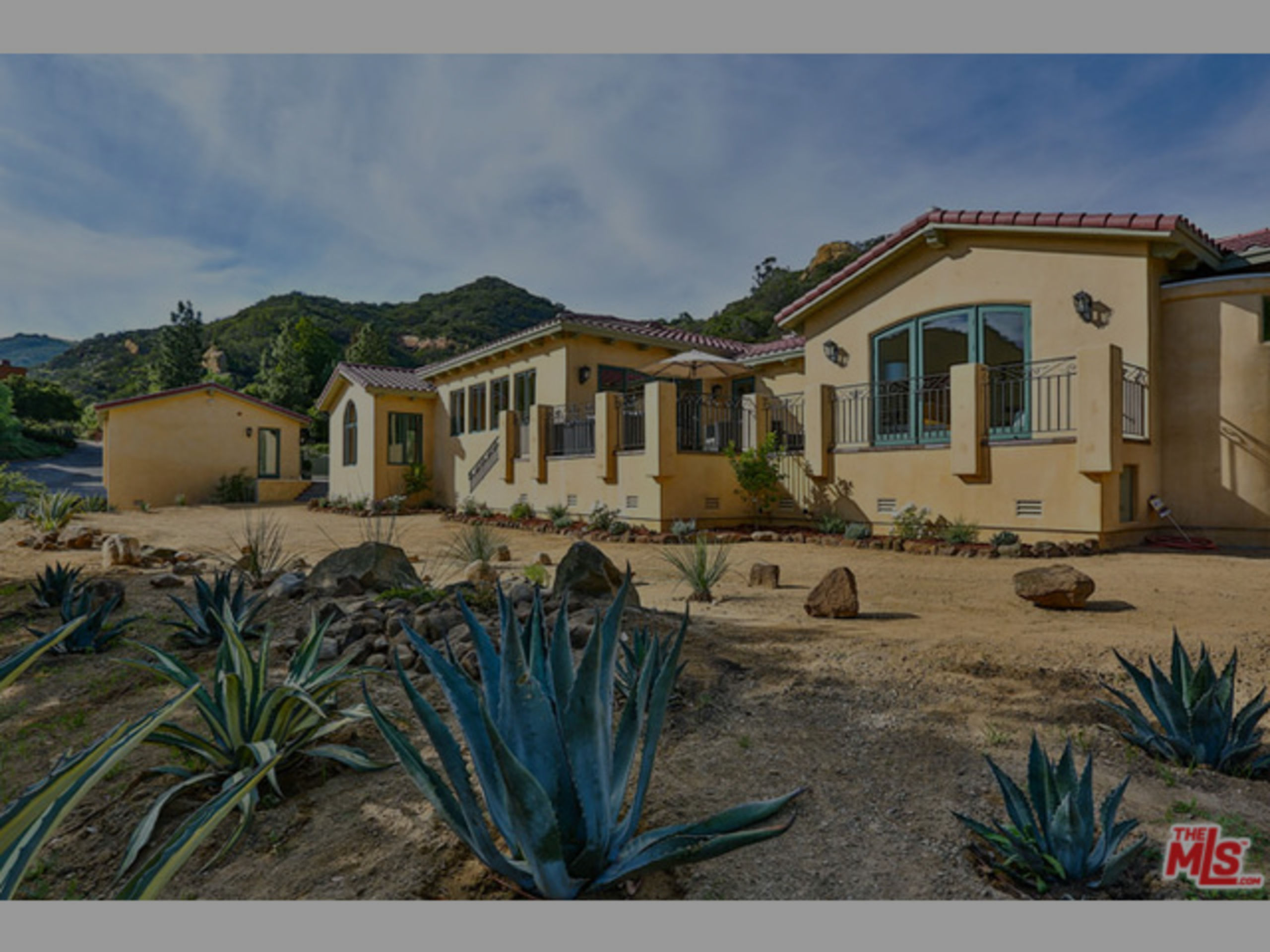 SOLD | NEW CONSTRUCTION W/ STUNNING VIEWS ON 11 ACRES | $2,395,000