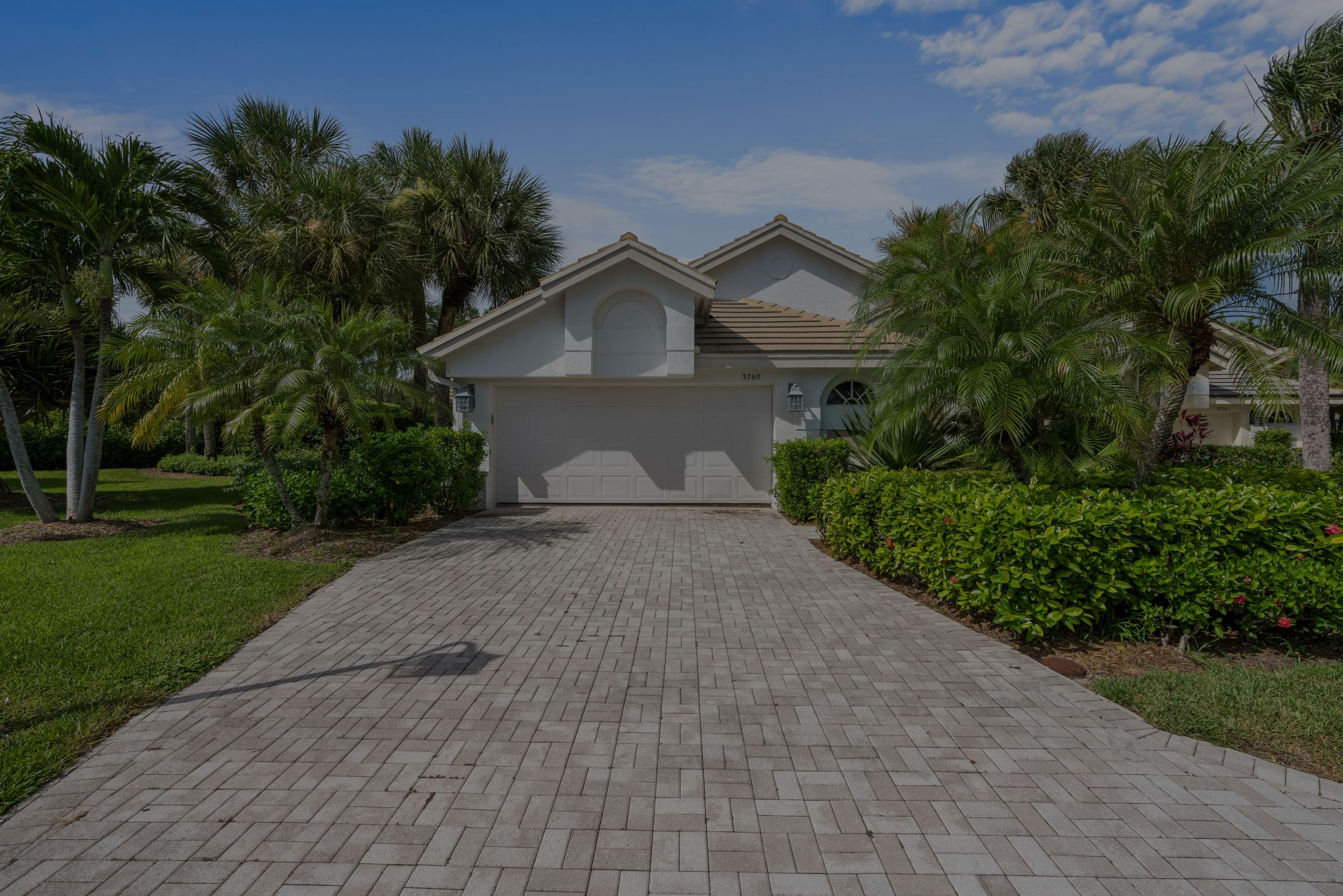 JUST LISTED IN JONATHAN'S LANDING OF JUPITER