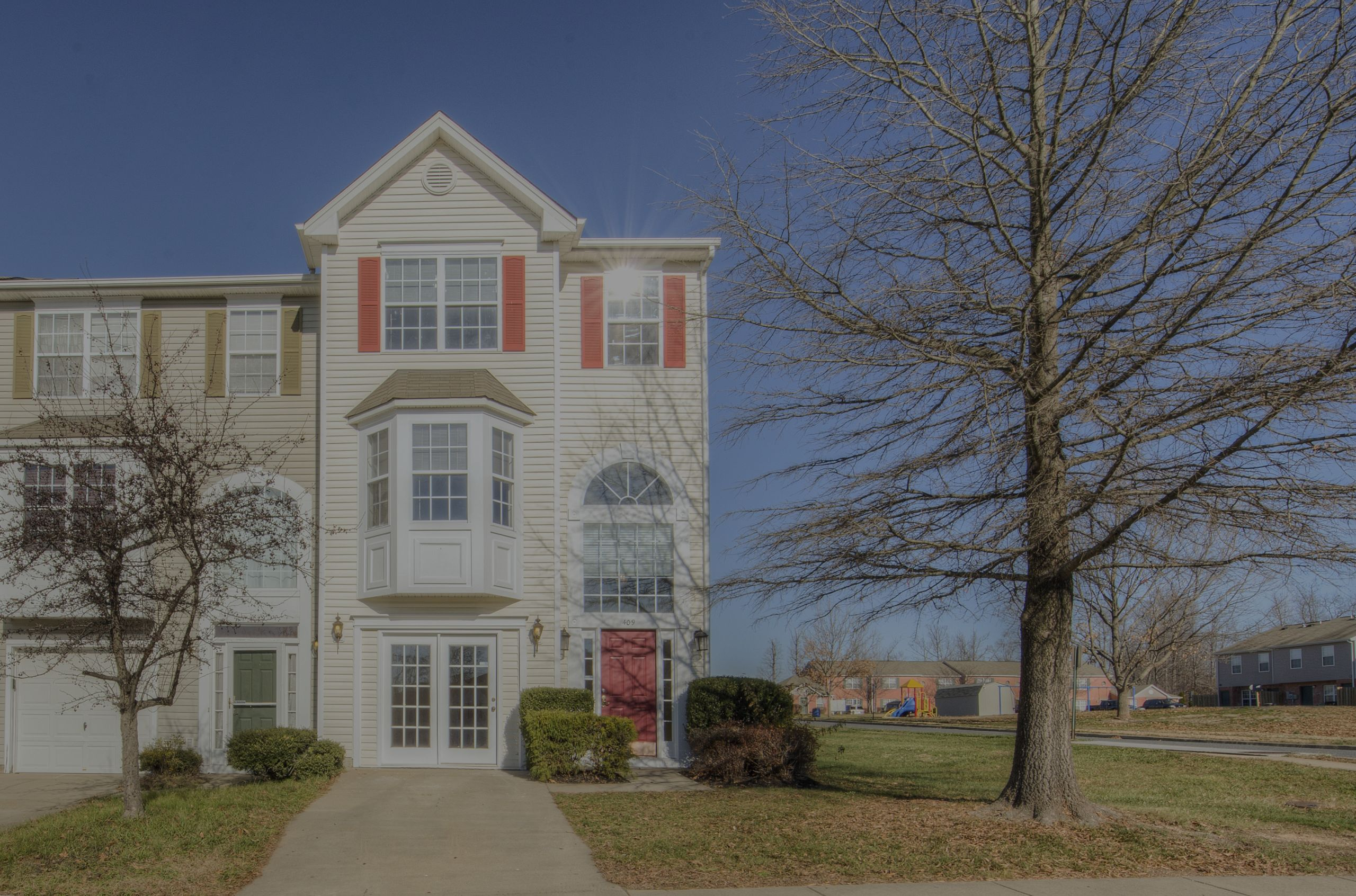 End Unit Townhome for Sale in Stafford, VA – near Quantico MCB