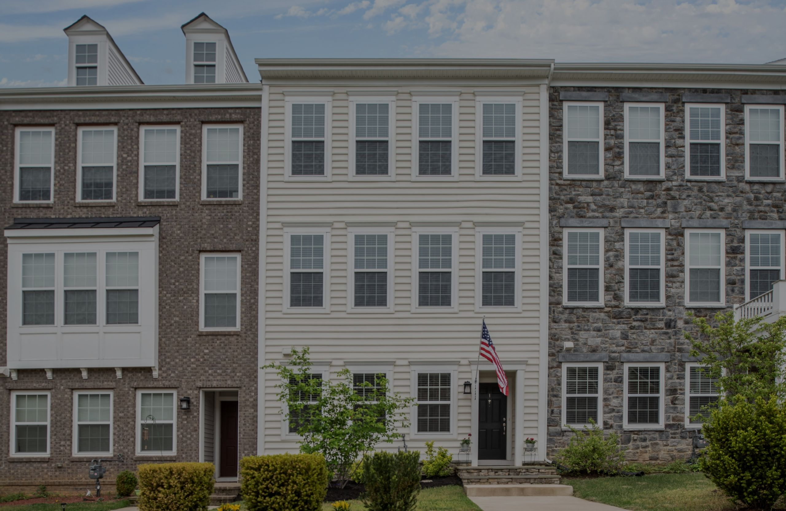 Stunning Garage Townhome in Sought After Embrey Mill Community!