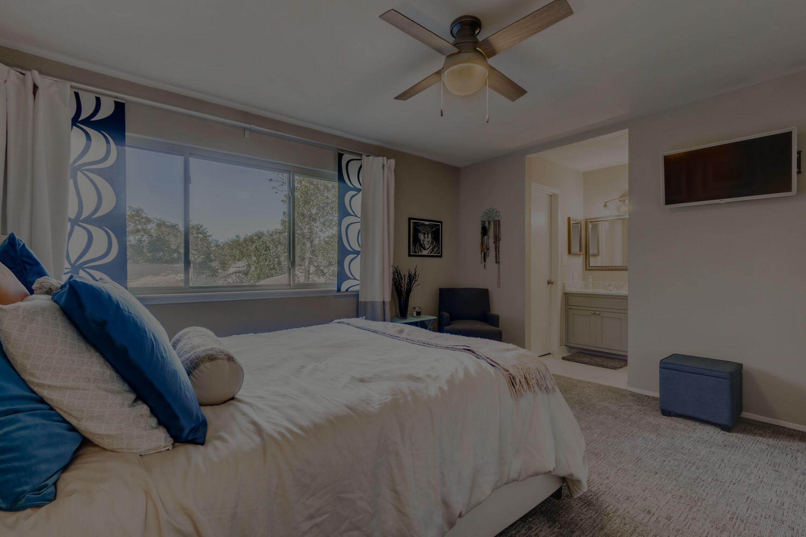Master suite features completely remodeled en-suite bath (Nov 2020)