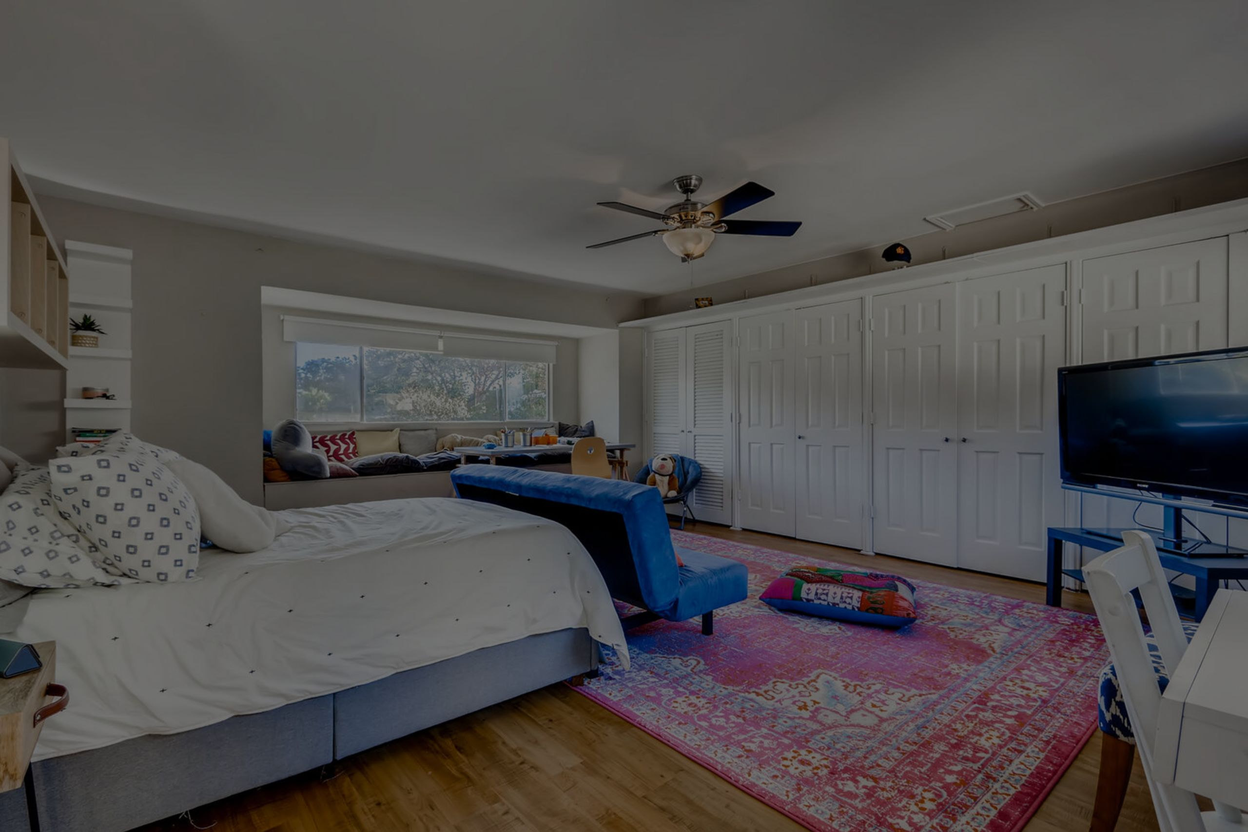 4th bedroom is a 400 square foot guest/teen suite