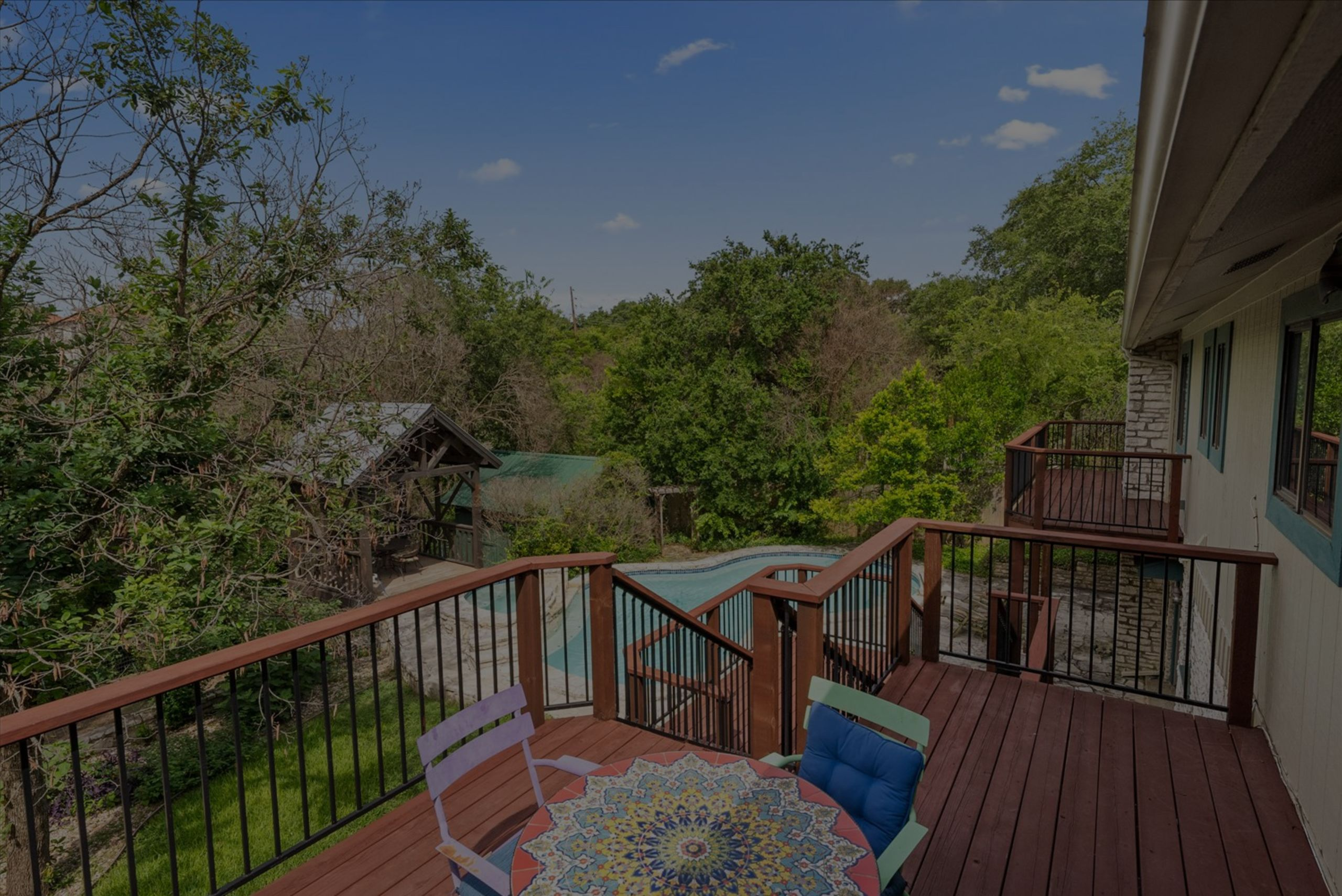 Experience Hill Country days and nights in a private, suburban setting.