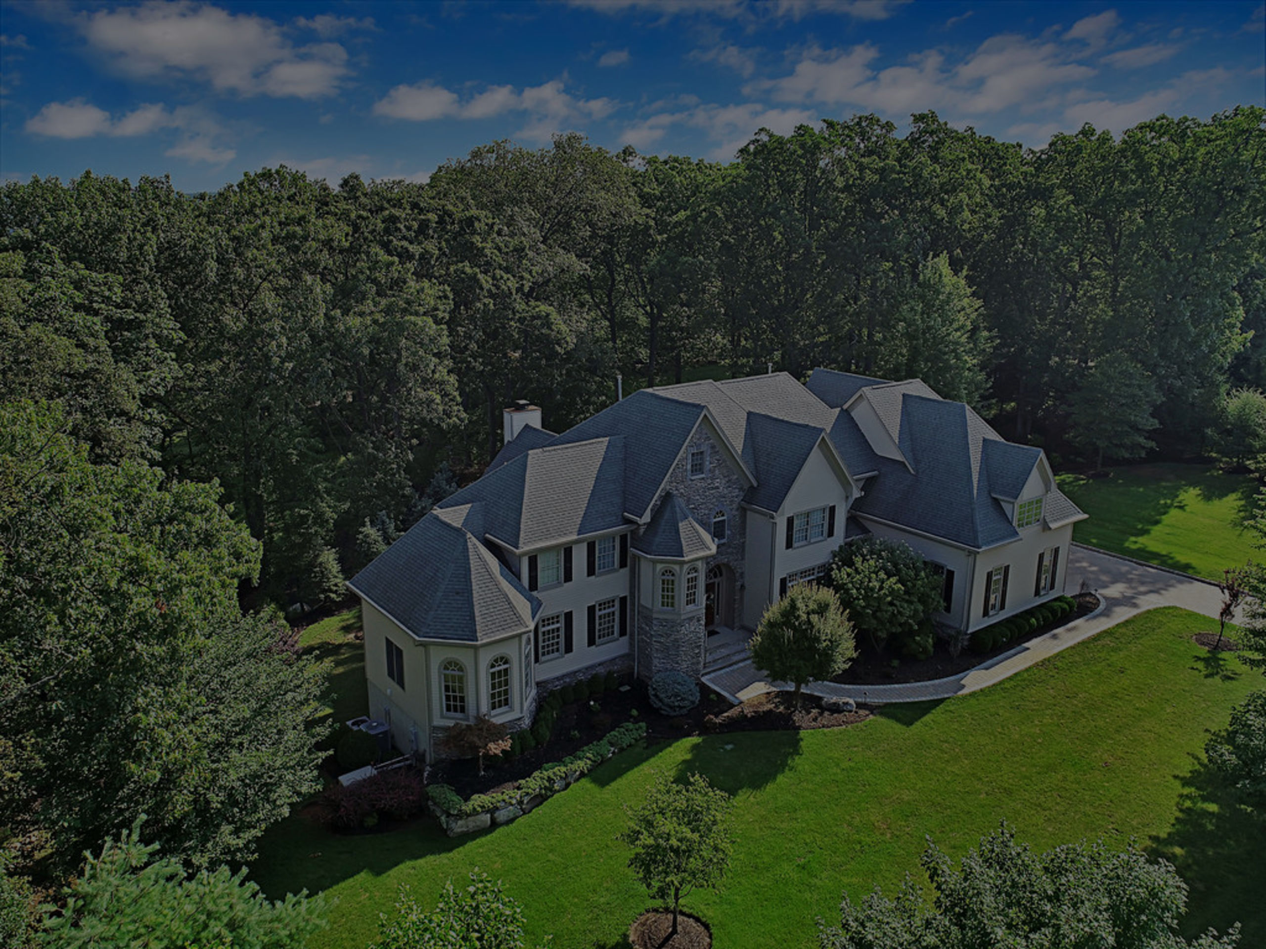 UNDER CONTRACT 4 Kappelmann Dr, Green Brook