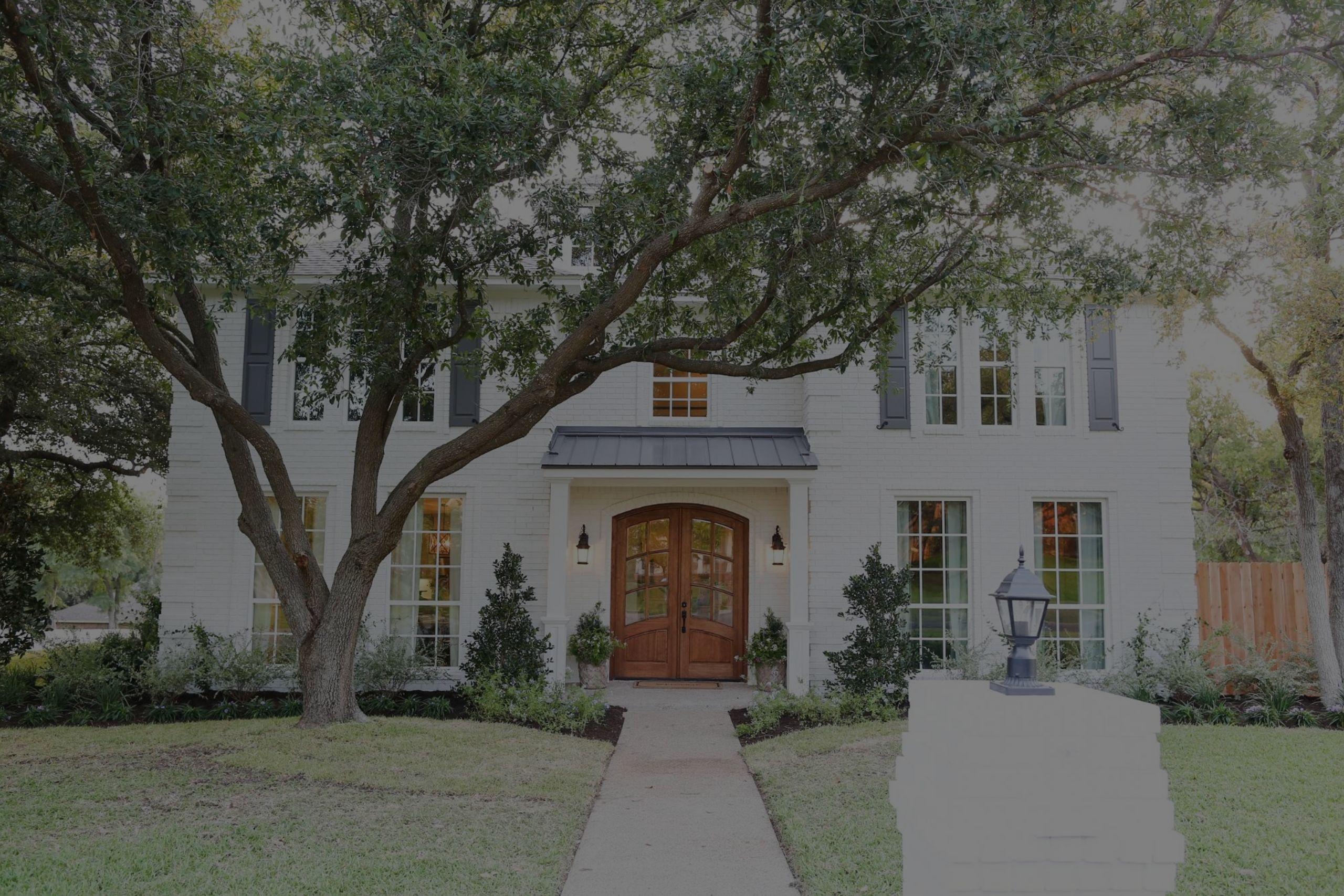 Captivating, upgraded residences