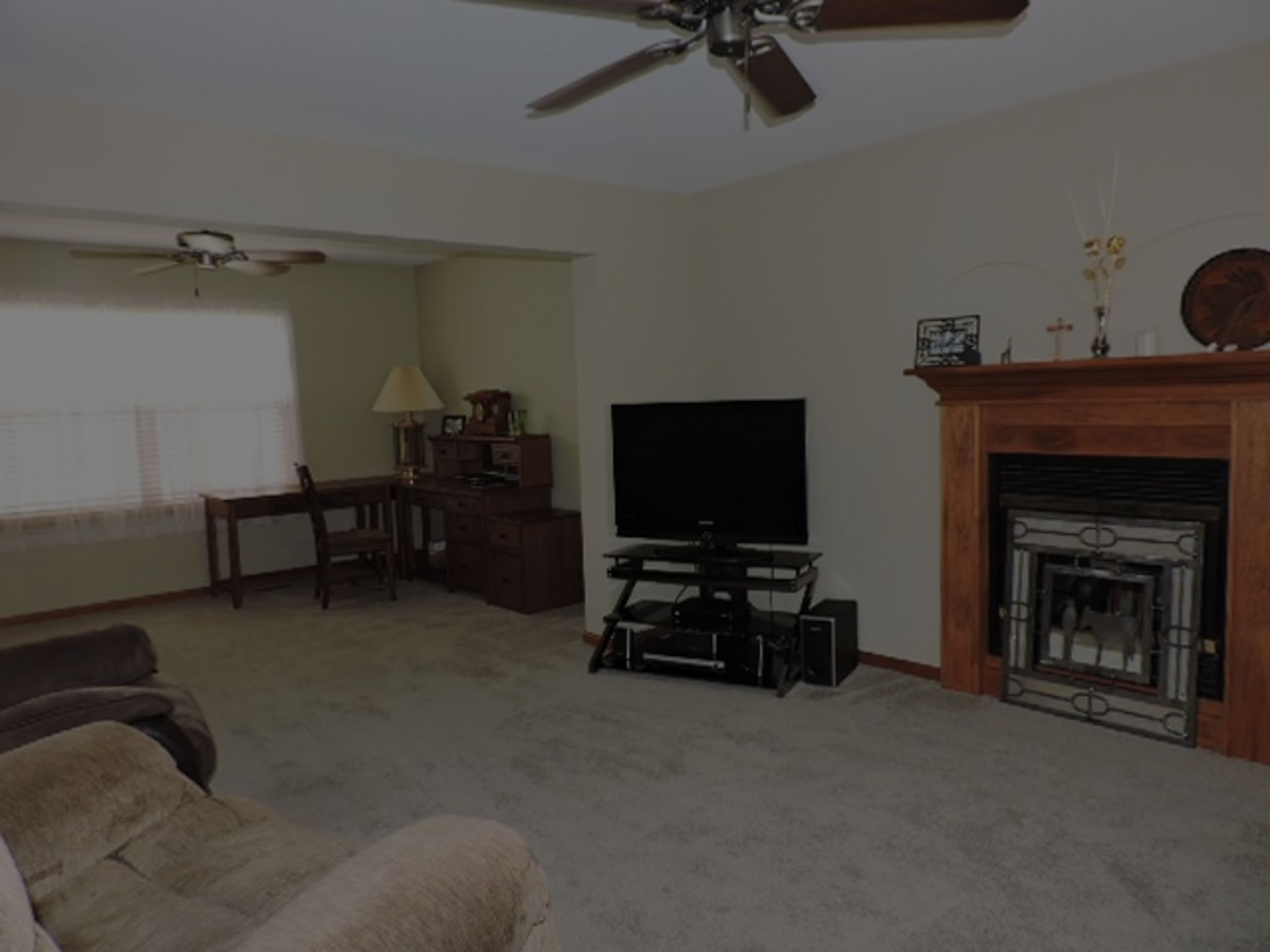 OPEN FAMILY ROOM WITH GAS FIREPLACE