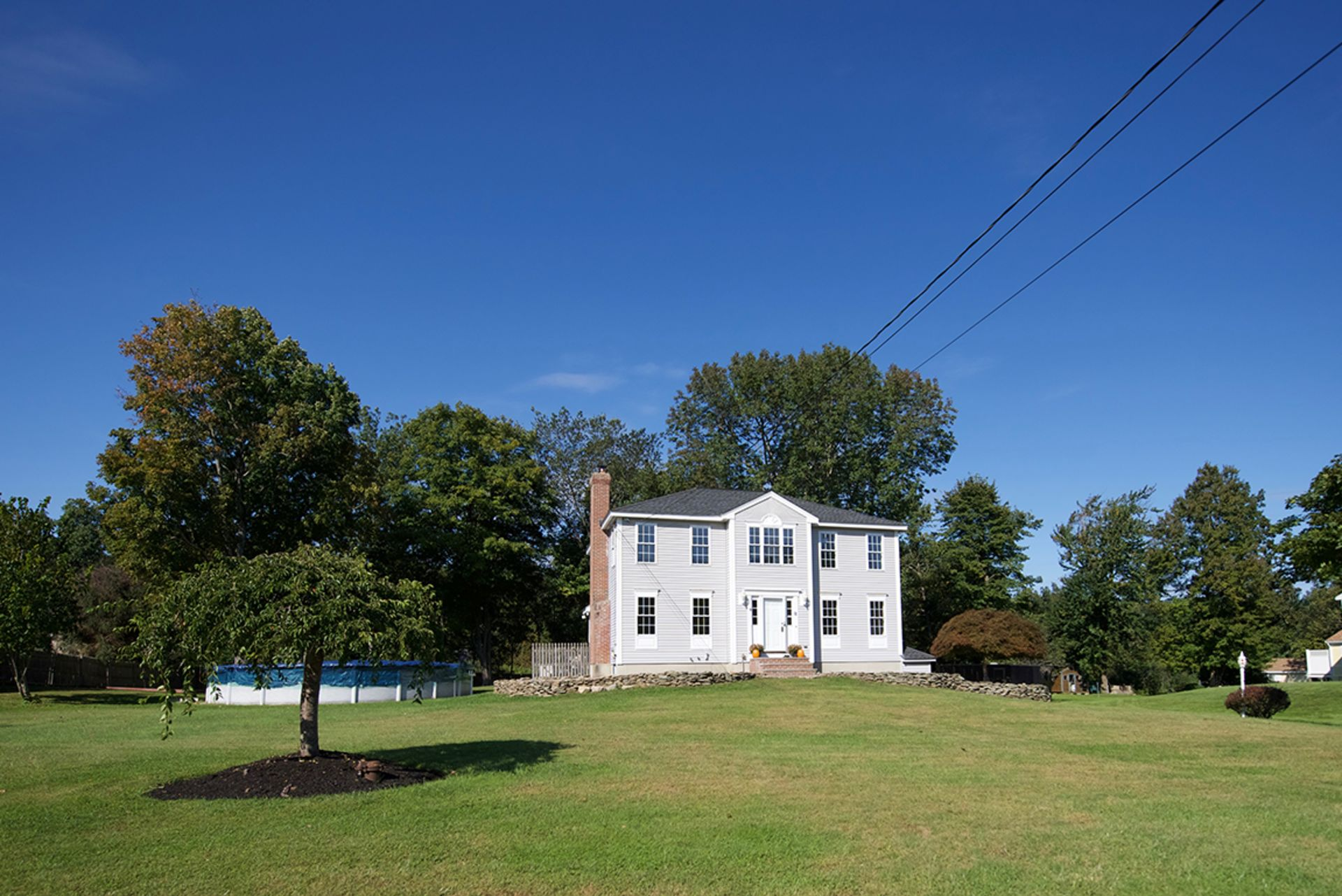 Better than new Danville Colonial- 11 Clydesdale Drive
