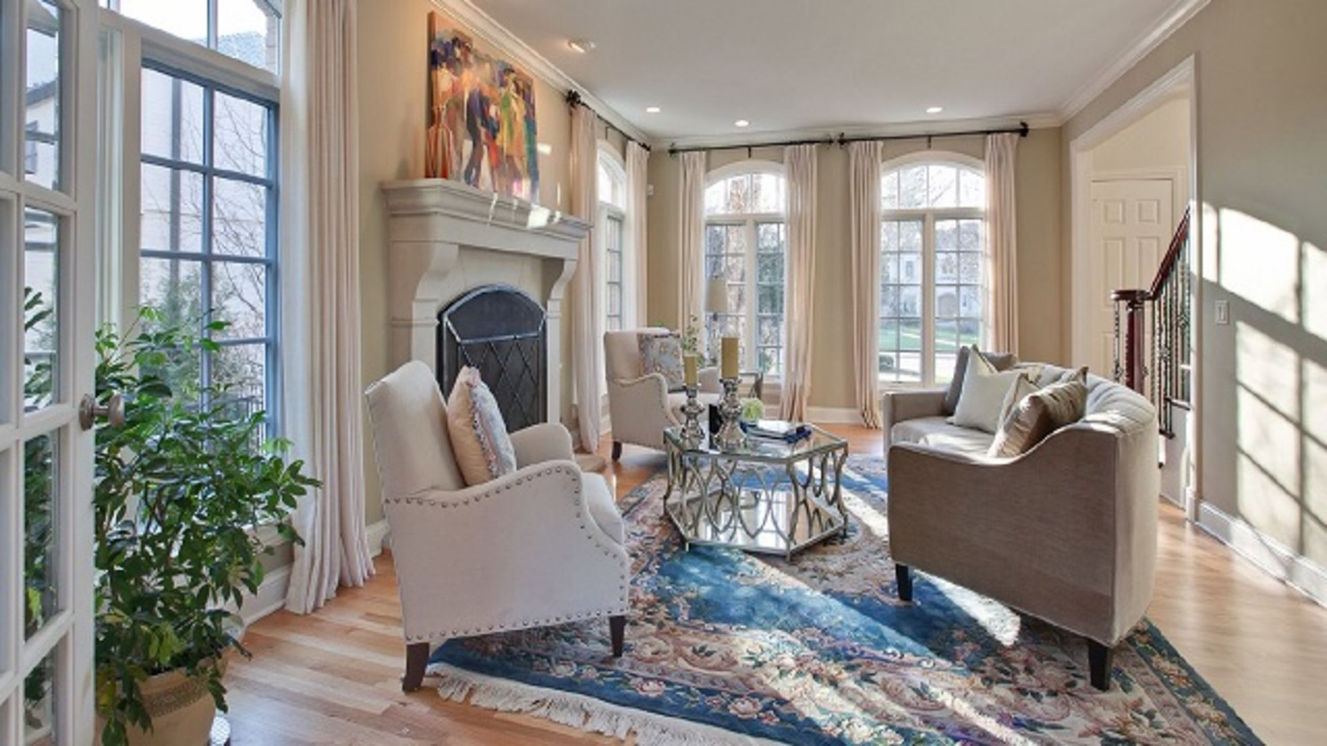 3 Tips to Staging the Inside of Your Home Like a Pro