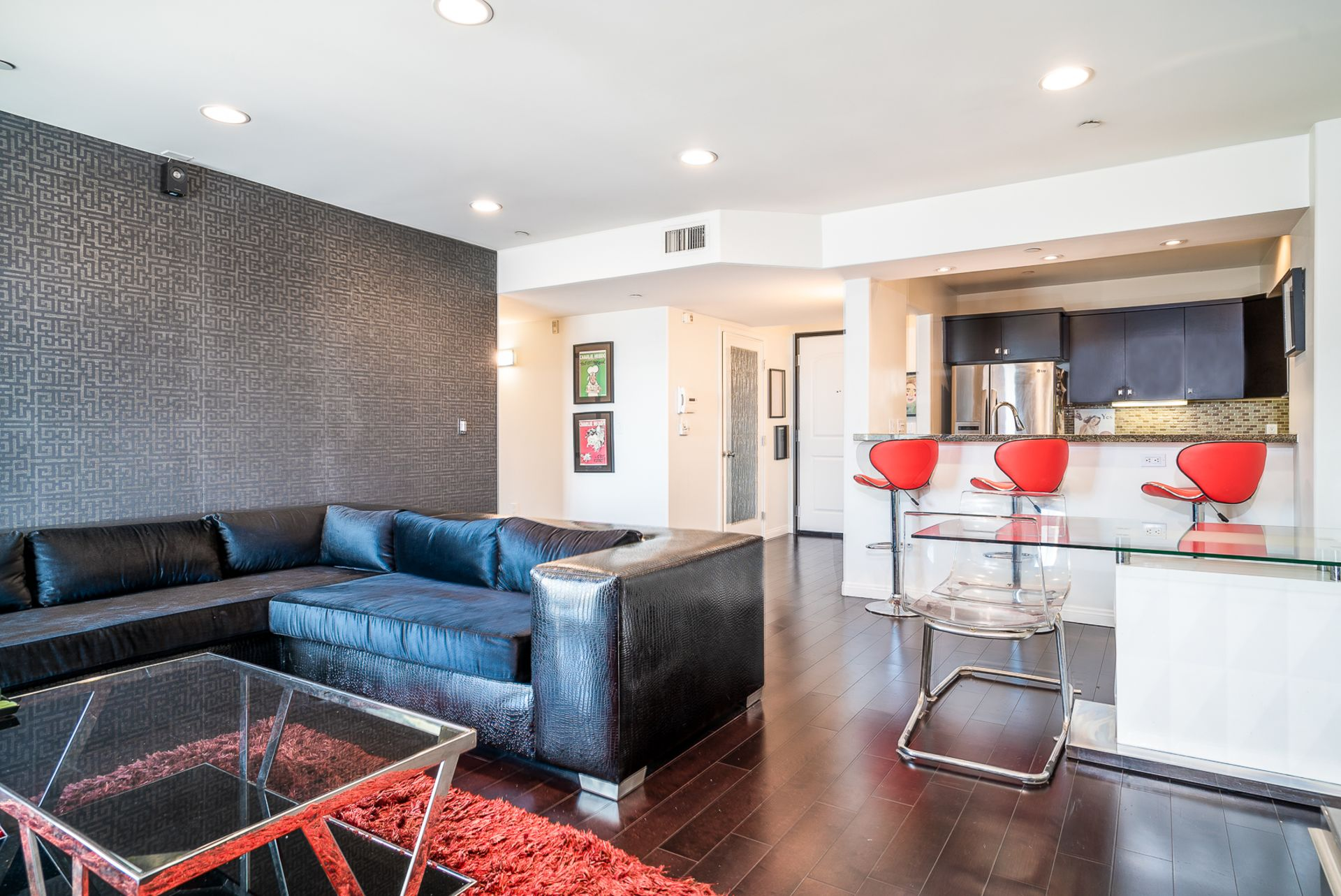 JUST LISTED: Updated 2 Bed 2 Bath Condo in Mid-Wilshire
