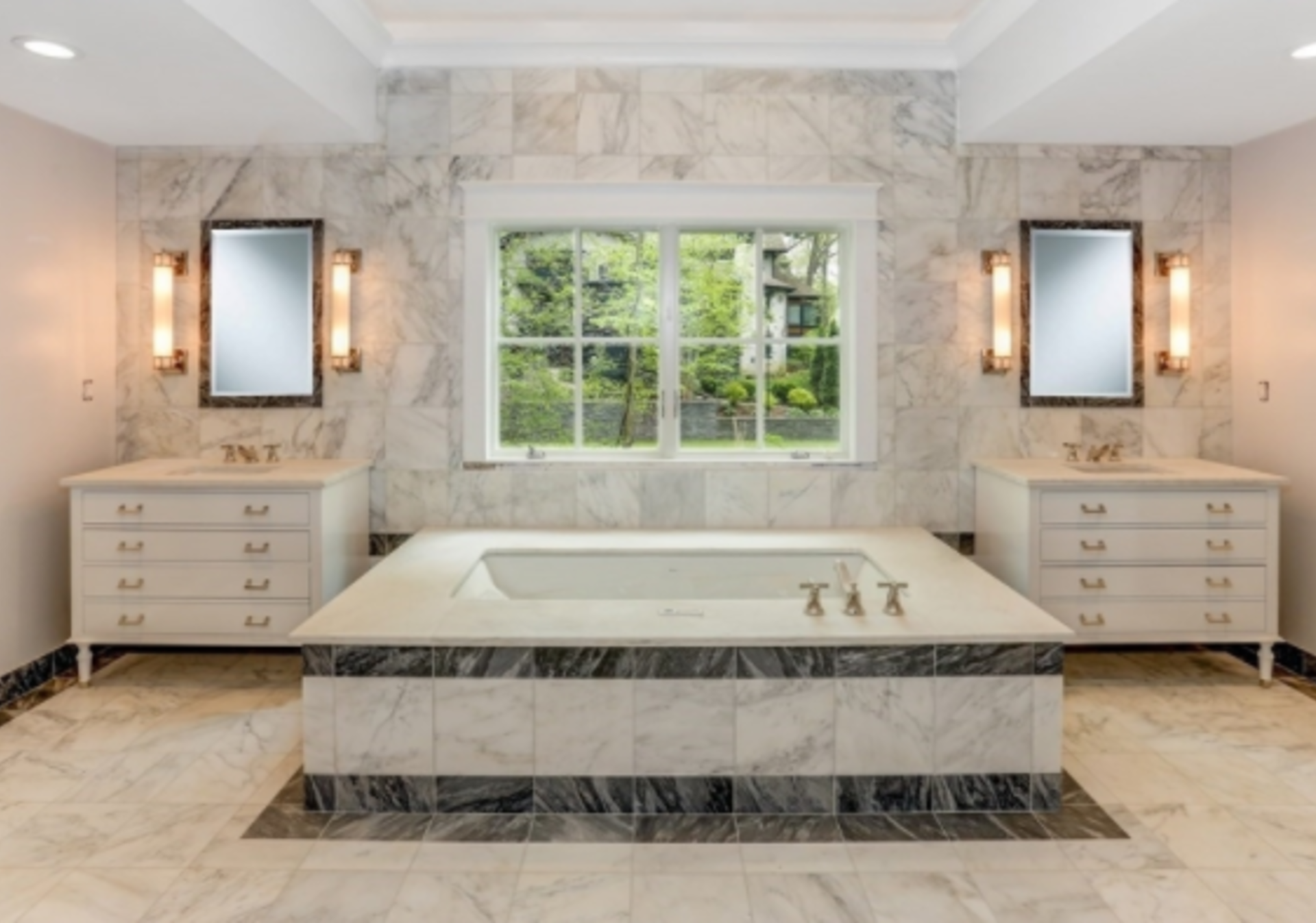 Hottest Luxury Listings in Chatham Twp.