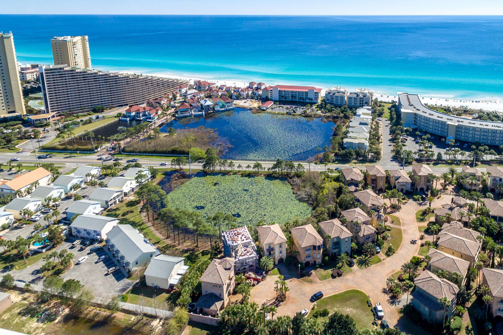 Notable Lakefront Retreat Near Destin – Under $800K