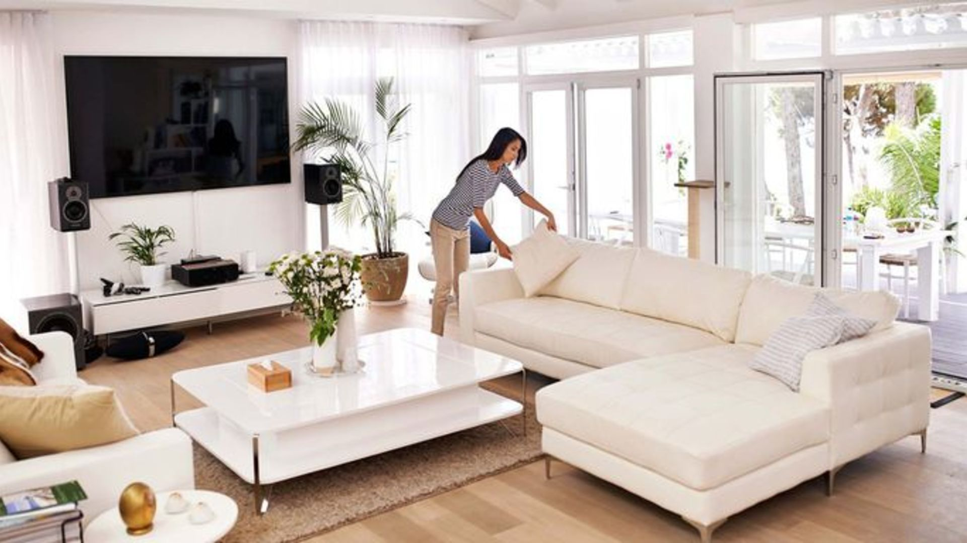"""Is """"Staging"""" A Home to Make It More Appealing To Buyers Really Worth It?"""