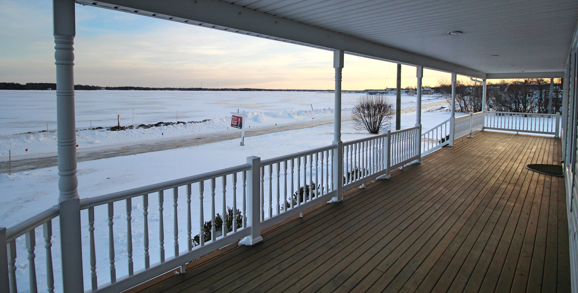 DON'T LET THE WINTER BLUES GET IN THE WAY OF THE SALE OF YOUR HOME!