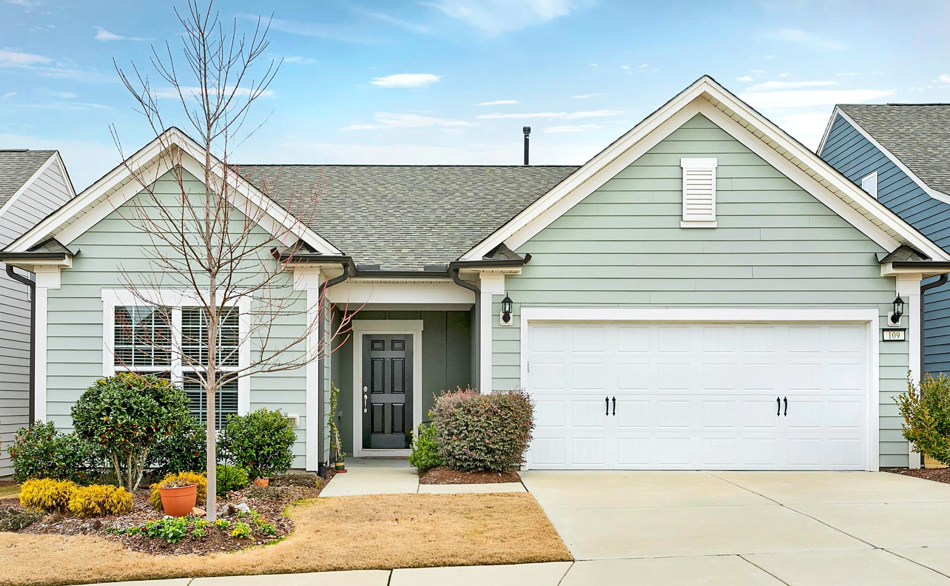 Spacious Open Floor Plan in a Premiere Active Adult Community!