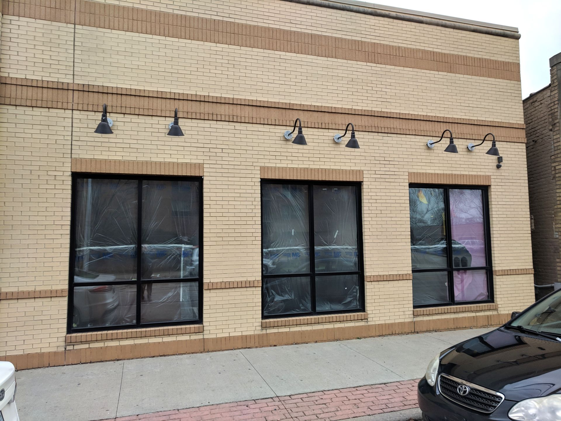Lakewood, Ohio Retail Space for Lease
