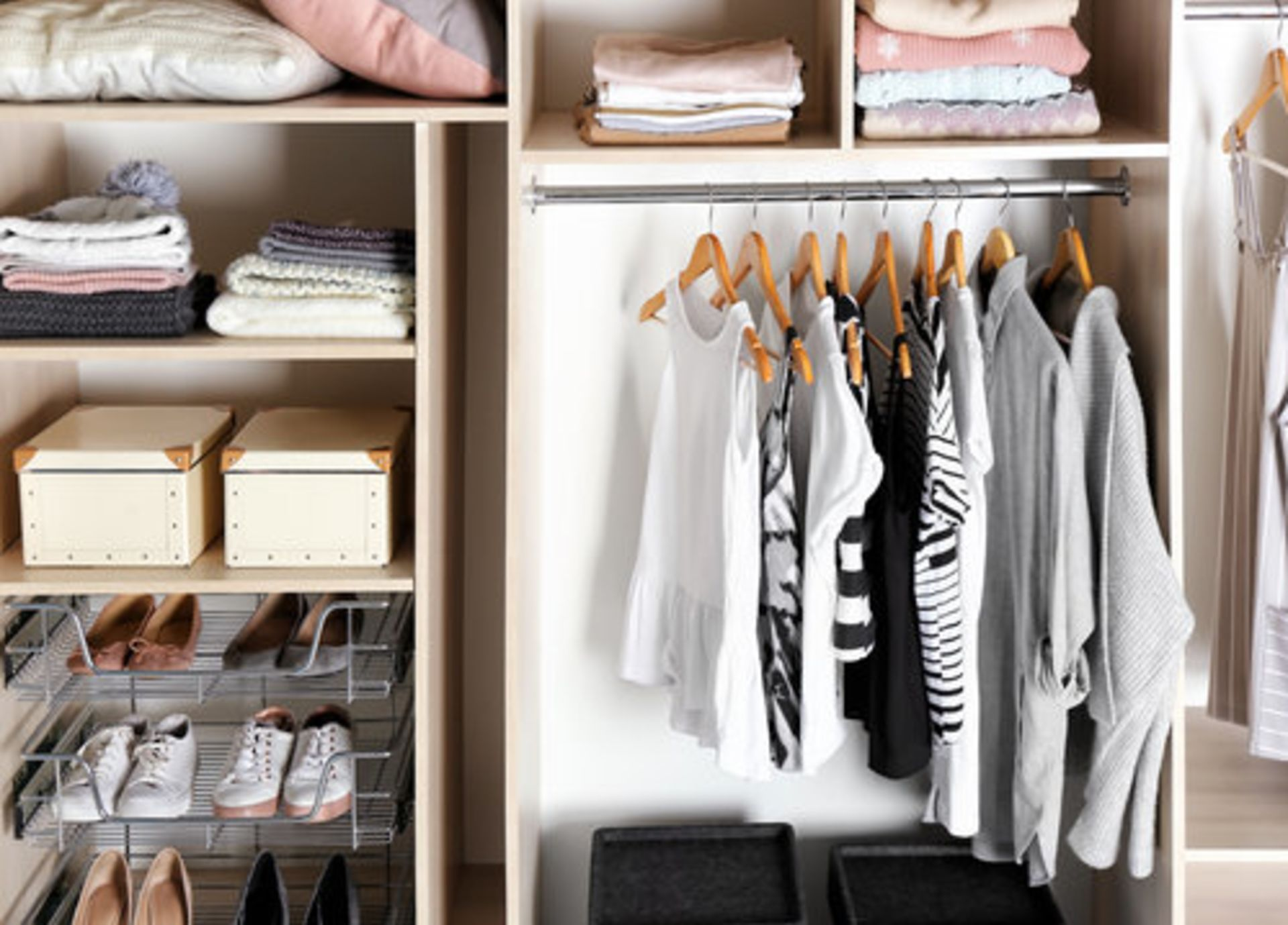 Make That Small Closet Look Bigger