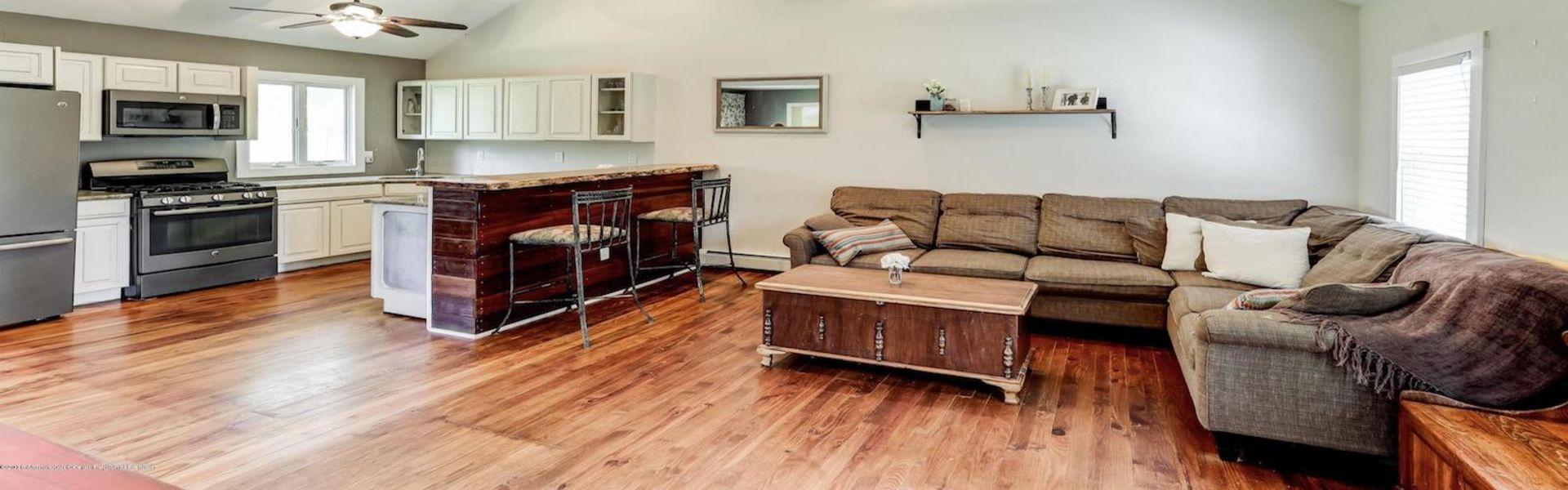 846 W Briar Ave, Toms River, NJ 08753 – $199,000