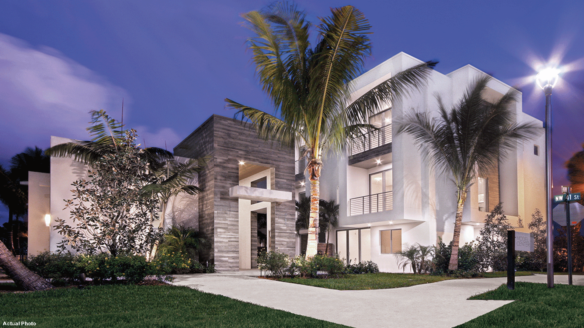 Moderne Townhouses for Sale in Boca